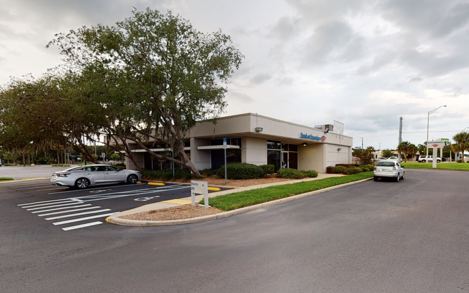 Bank of America financial center with drive-thru ATM | 7485 Broad St, Brooksville, FL 34601