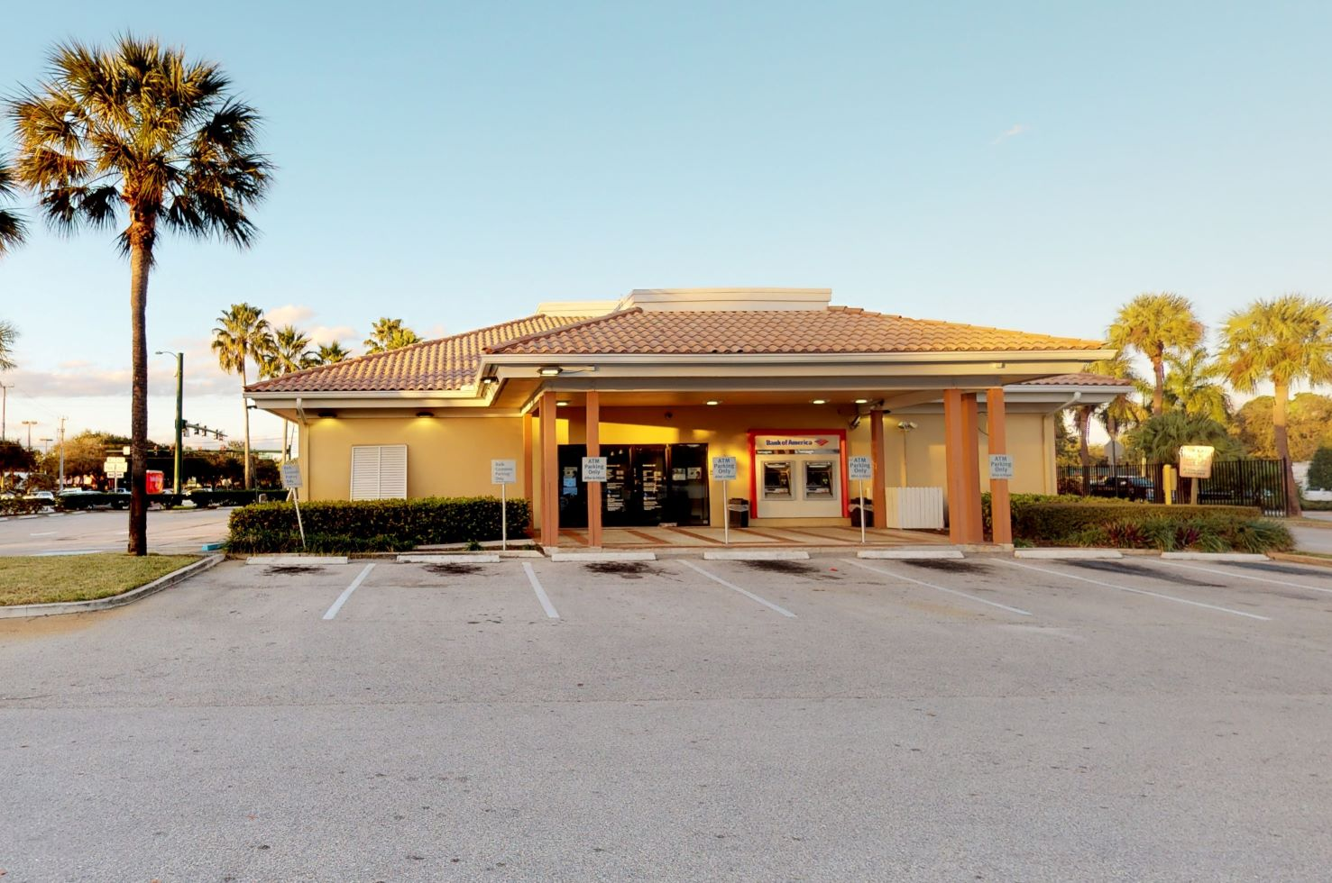 Bank of America financial center with walk-up ATM | 6410 W Indiantown Rd, Jupiter, FL 33458