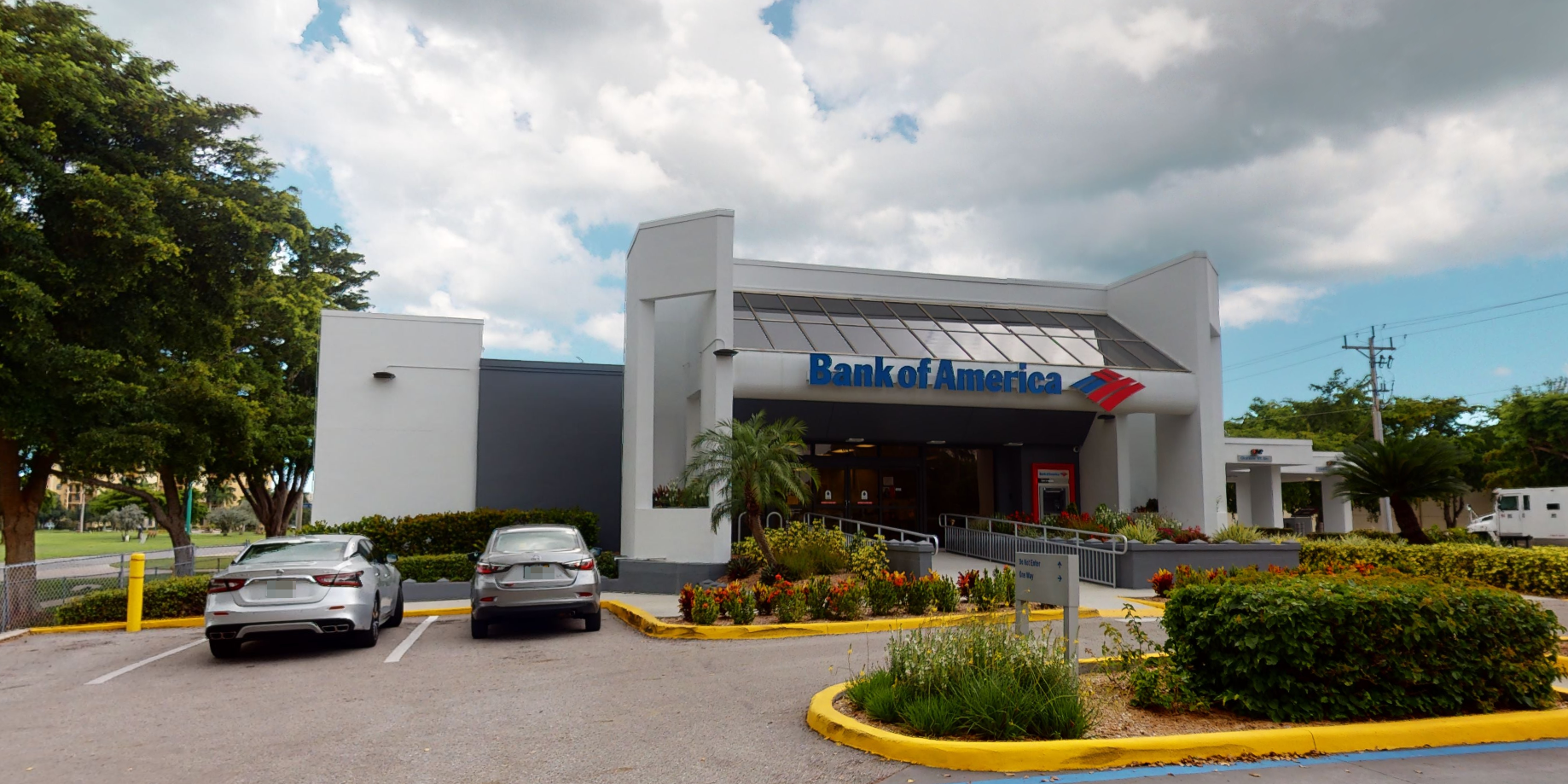 Bank of America financial center with drive-thru ATM | 614 Bald Eagle Dr, Marco Island, FL 34145