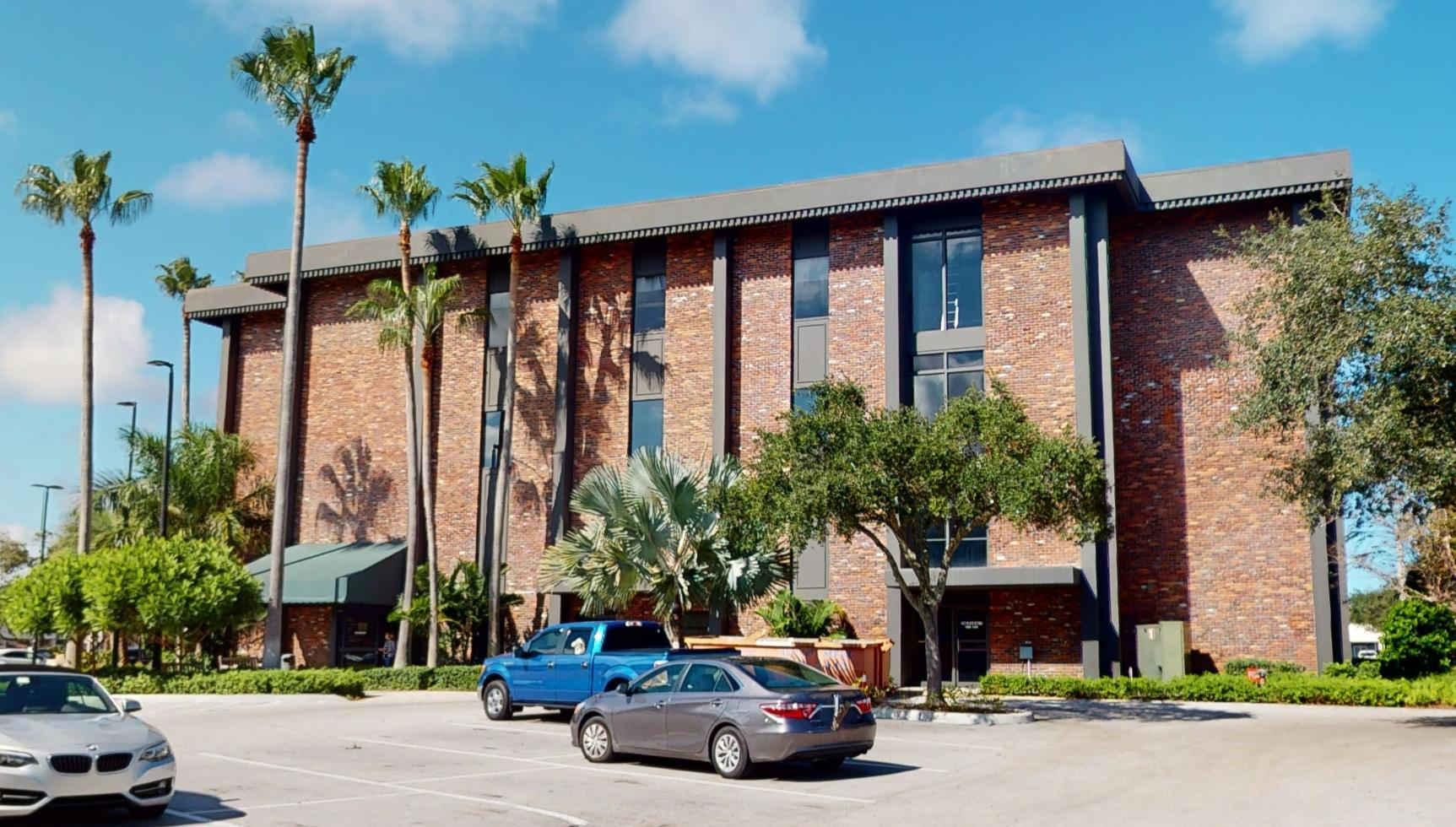 Bank of America financial center with drive-thru ATM | 601 21st St, Vero Beach, FL 32960