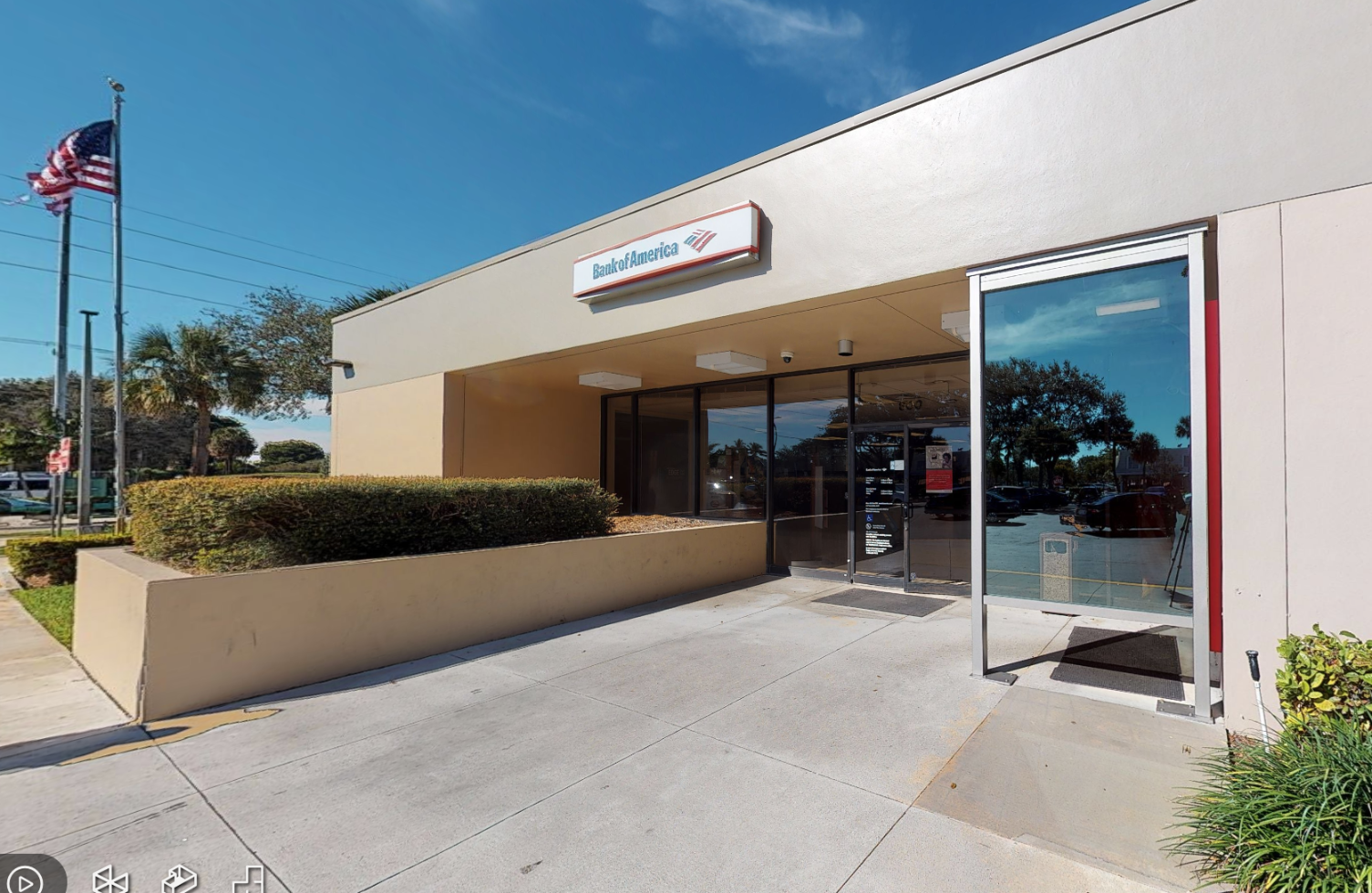 Bank of America financial center with drive-thru ATM | 800 US Highway 1, North Palm Beach, FL 33408