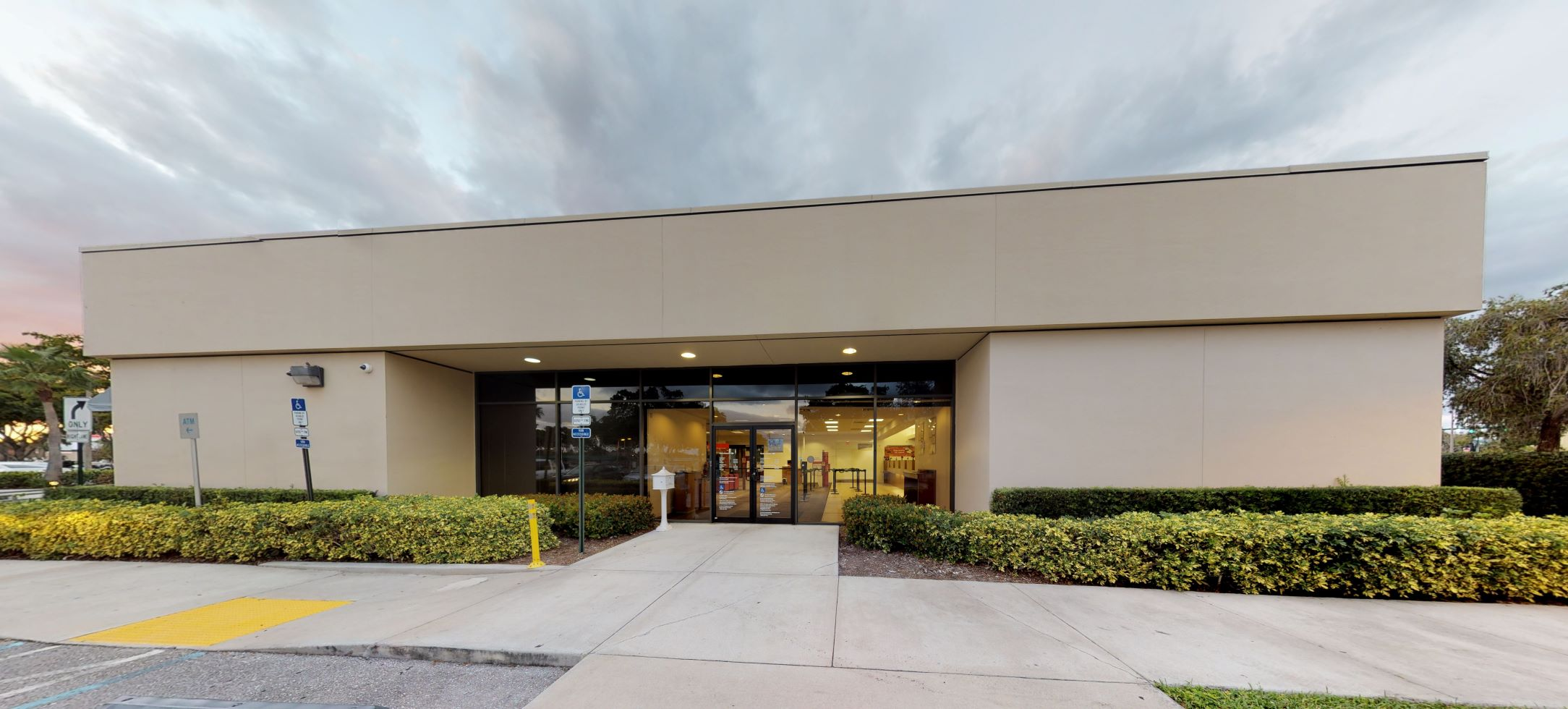 Bank of America financial center with walk-up ATM | 1974 Palm Beach Lakes Blvd, West Palm Beach, FL 33409