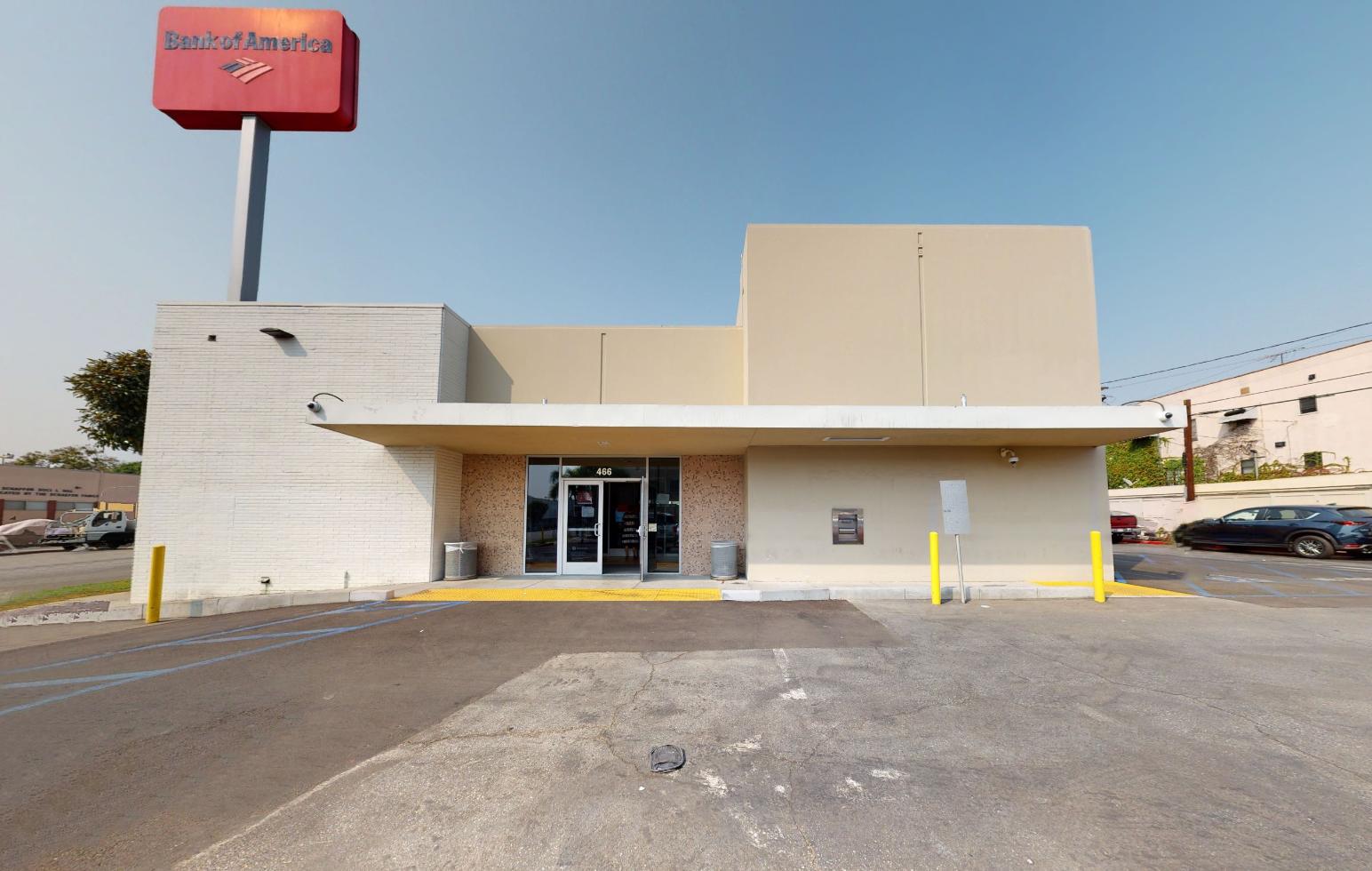 Bank of America financial center with walk-up ATM   466 N La Brea Ave, Los Angeles, CA 90036