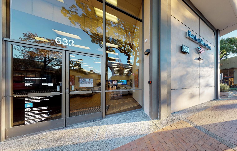 Bank of America financial center with walk-up ATM | 633 Santa Cruz Ave, Menlo Park, CA 94025