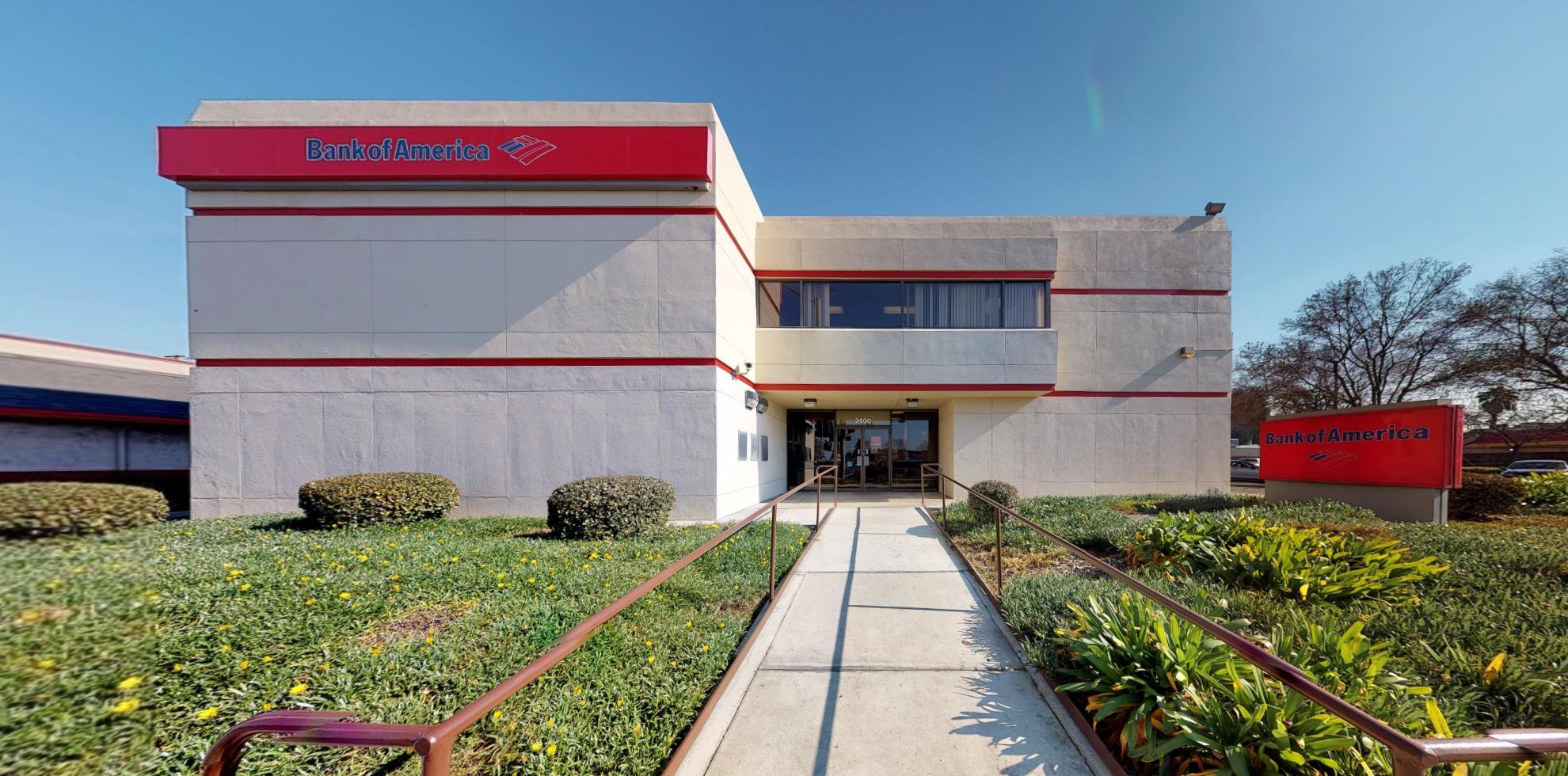 Bank of America financial center with drive-thru ATM   2400 S Mooney Blvd, Visalia, CA 93277