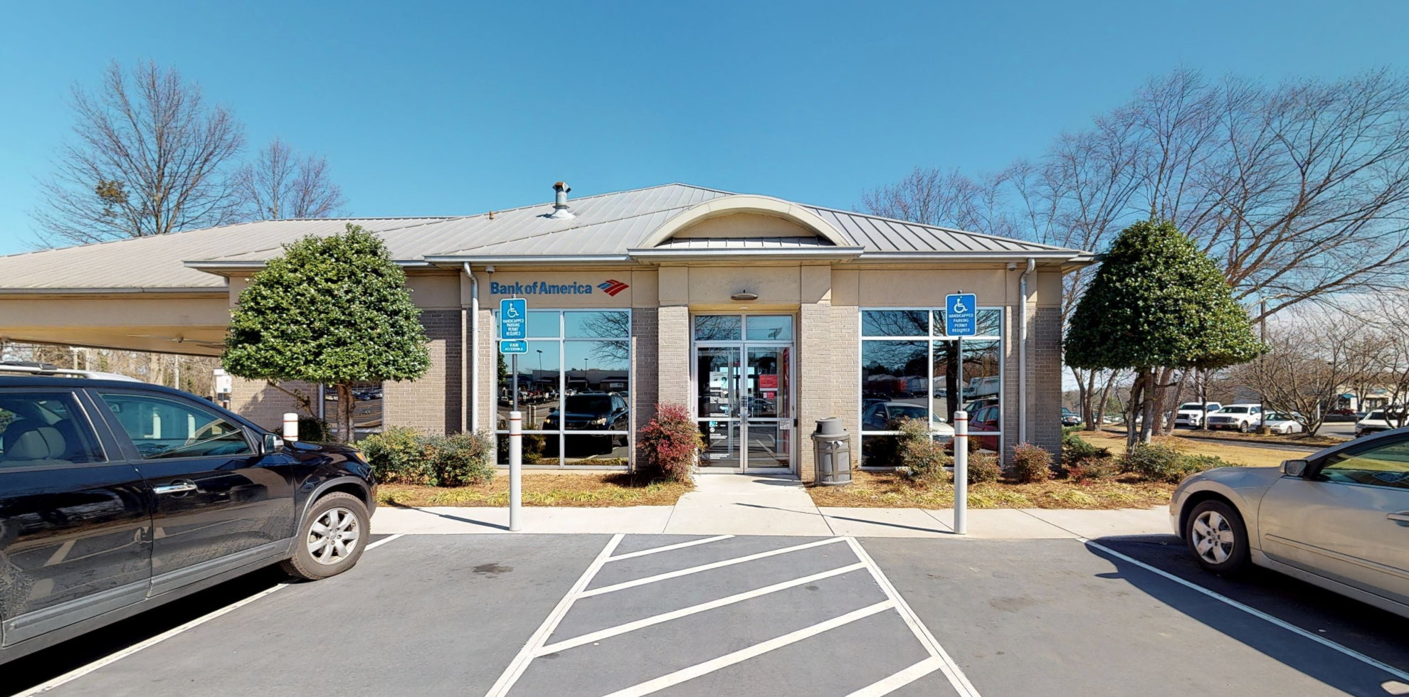 Bank of America financial center with drive-thru ATM and teller | 410 Shallowford Rd NW, Gainesville, GA 30504