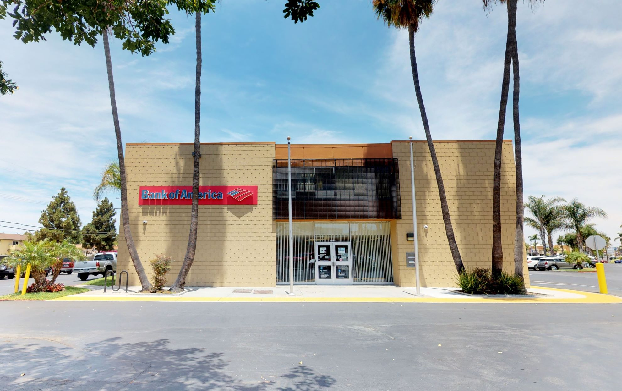 Bank of America financial center with walk-up ATM | 18691 Main St, Huntington Beach, CA 92648