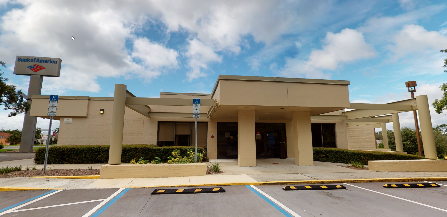 Bank of America financial center with walk-up ATM | 6023 Spring Hill Dr, Spring Hill, FL 34606