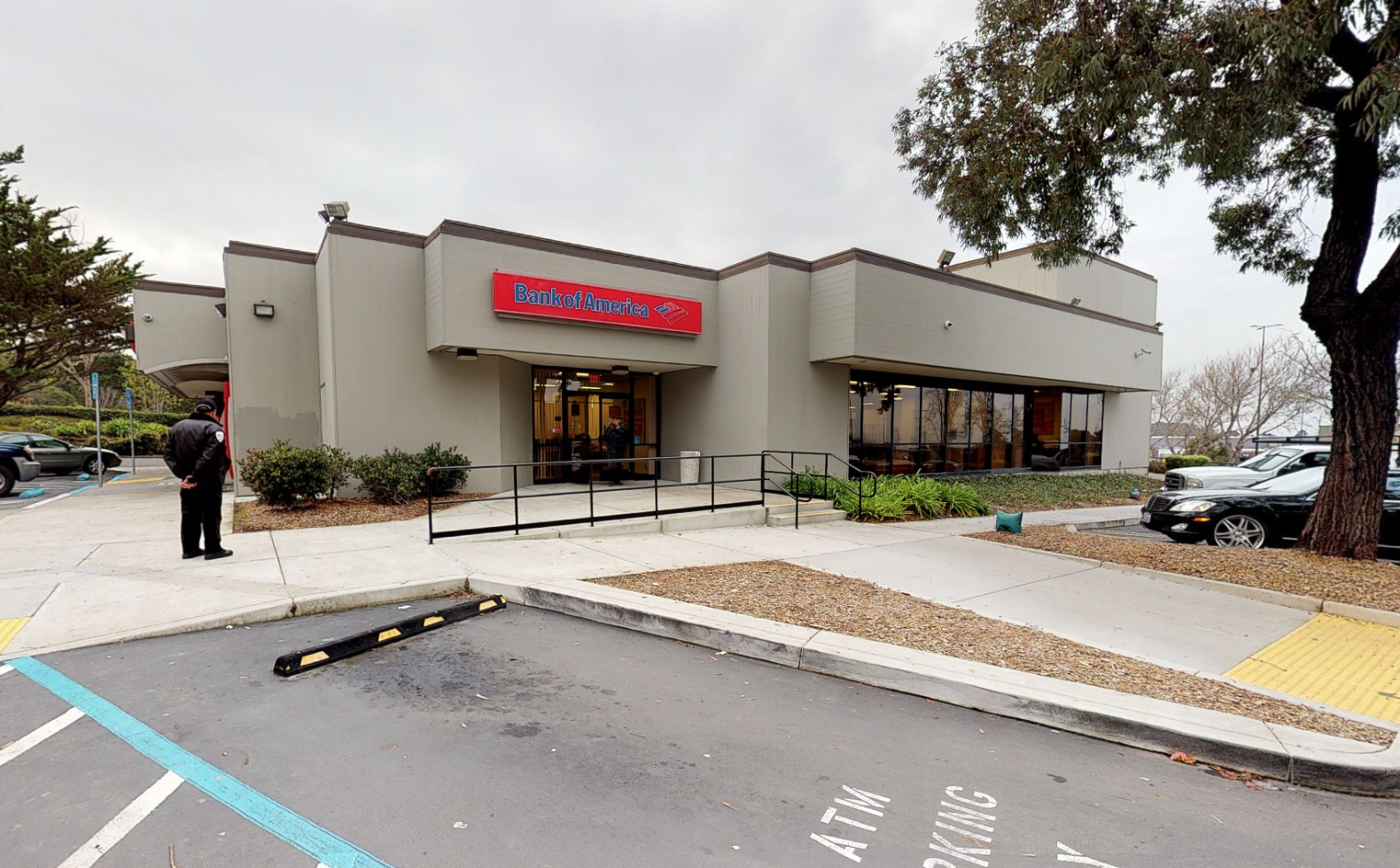 Bank of America financial center with drive-thru ATM | 3100 Hilltop Mall Rd, Richmond, CA 94806