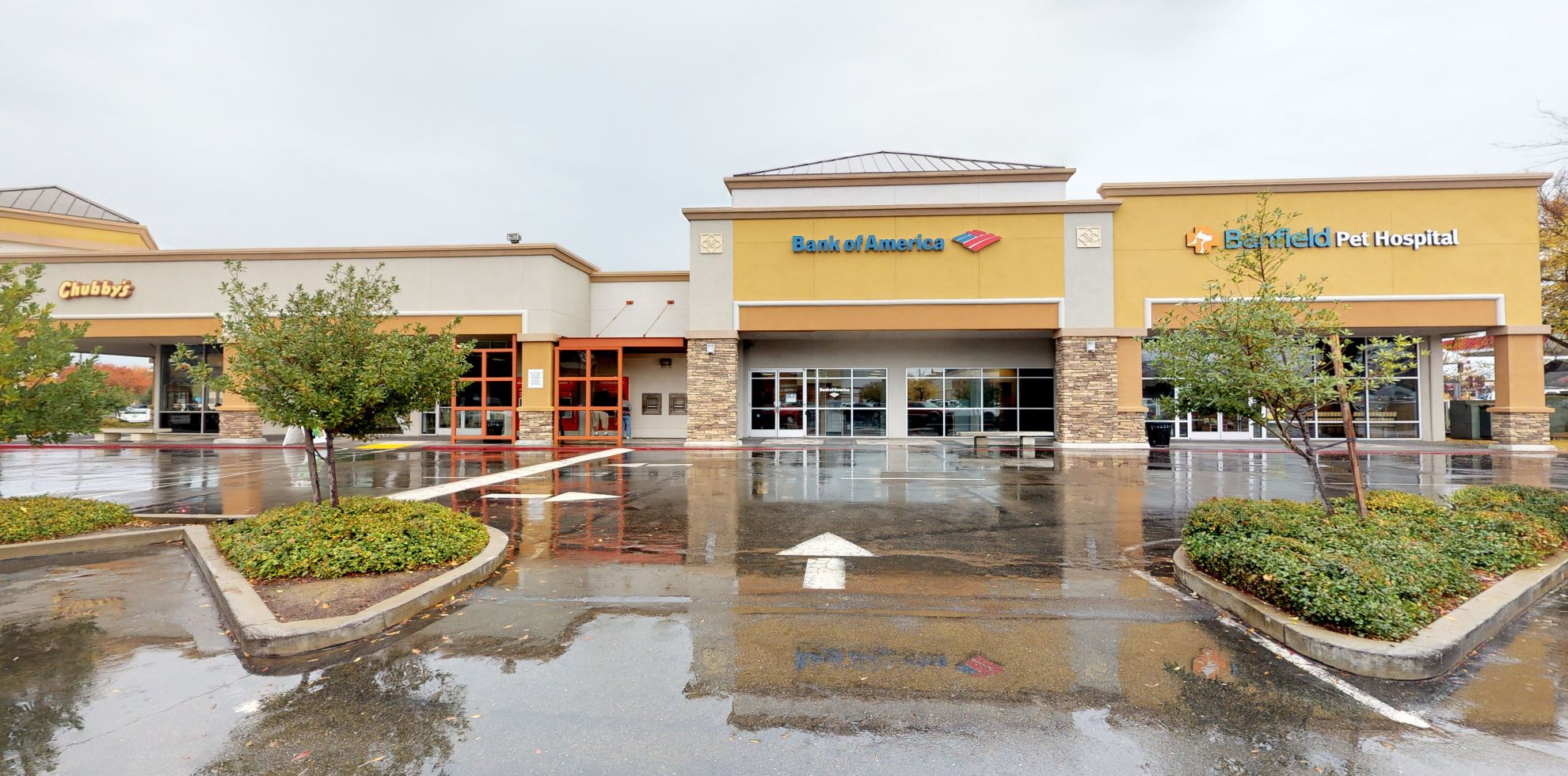 Bank of America financial center with walk-up ATM | 431 Roseville Sq, Roseville, CA 95678