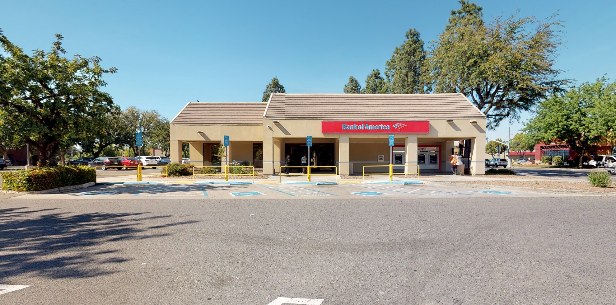 Bank of America financial center with walk-up ATM   3411 W Shaw Ave, Fresno, CA 93711