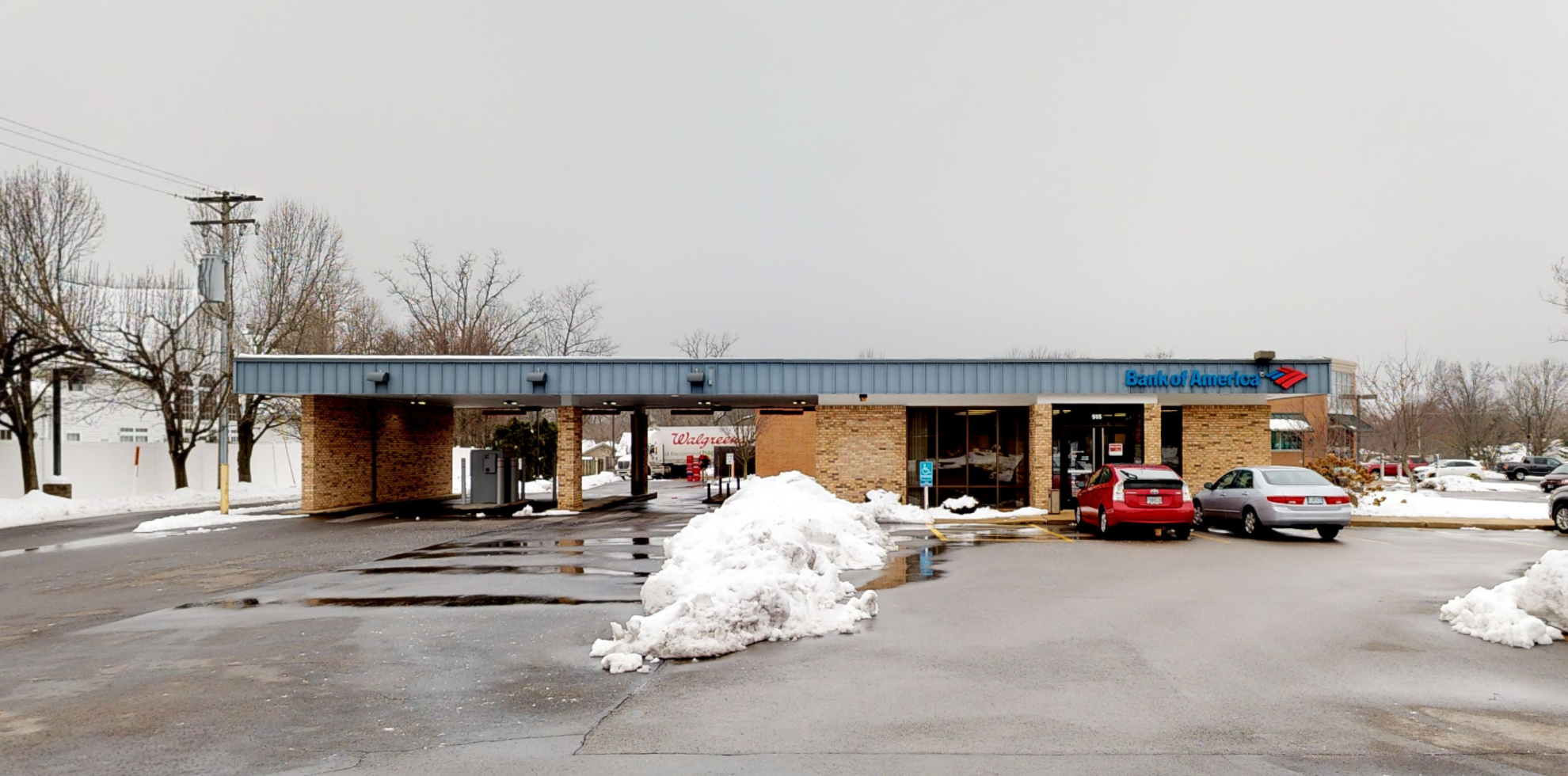 Bank of America financial center with drive-thru ATM | 505 Baxter Rd, Chesterfield, MO 63017