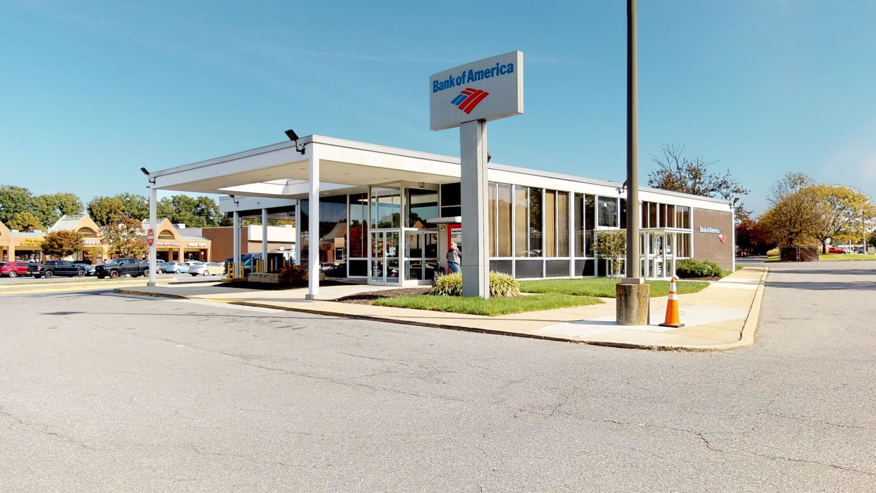 Bank of America financial center with drive-thru ATM | 80 Mountain Rd, Glen Burnie, MD 21060
