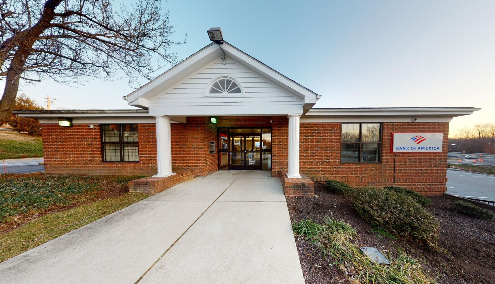 Bank of America financial center with drive-thru ATM | 30 Main St, Prince Frederick, MD 20678