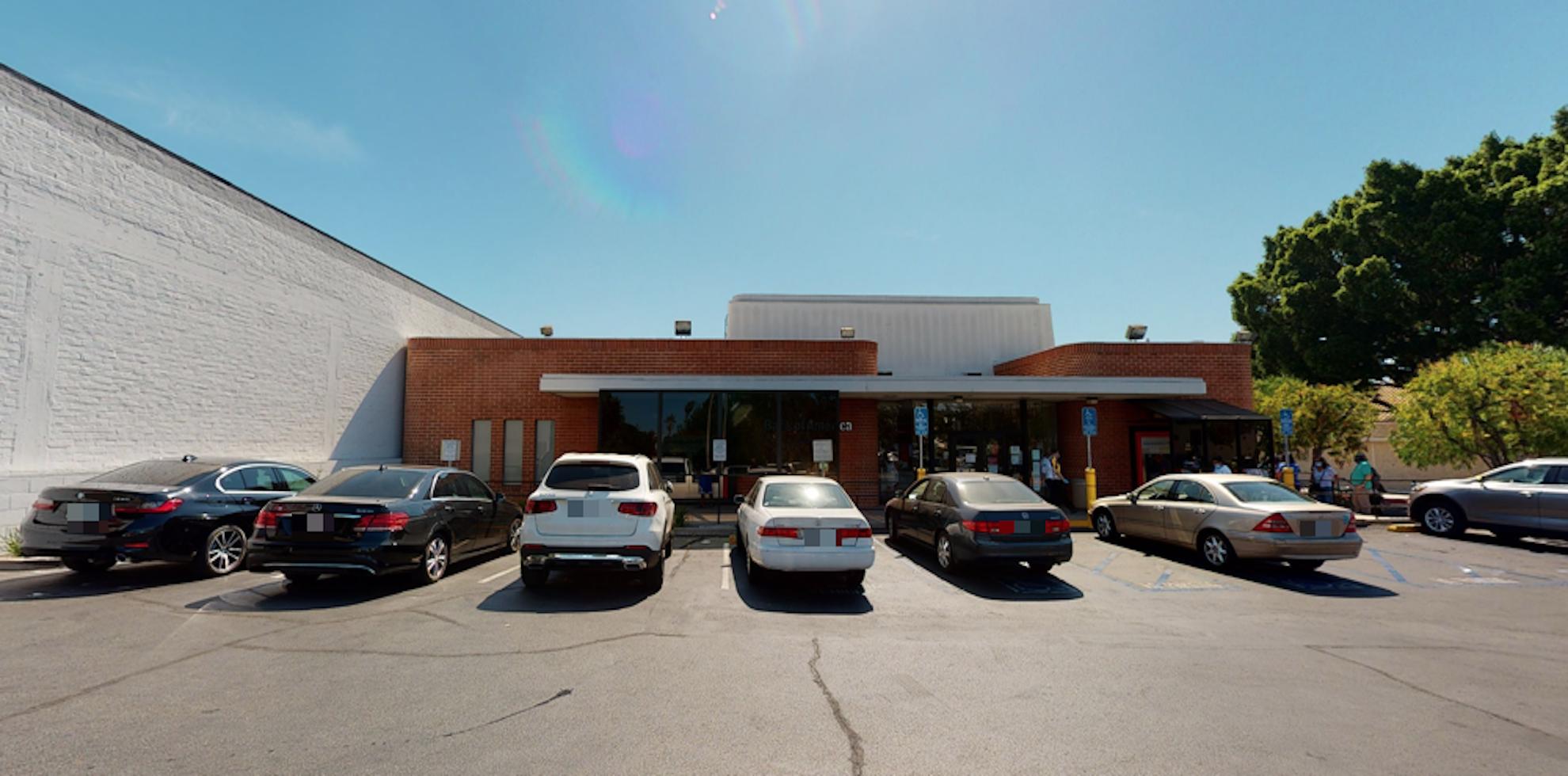 Bank of America financial center with walk-up ATM   929 Fair Oaks Ave, South Pasadena, CA 91030
