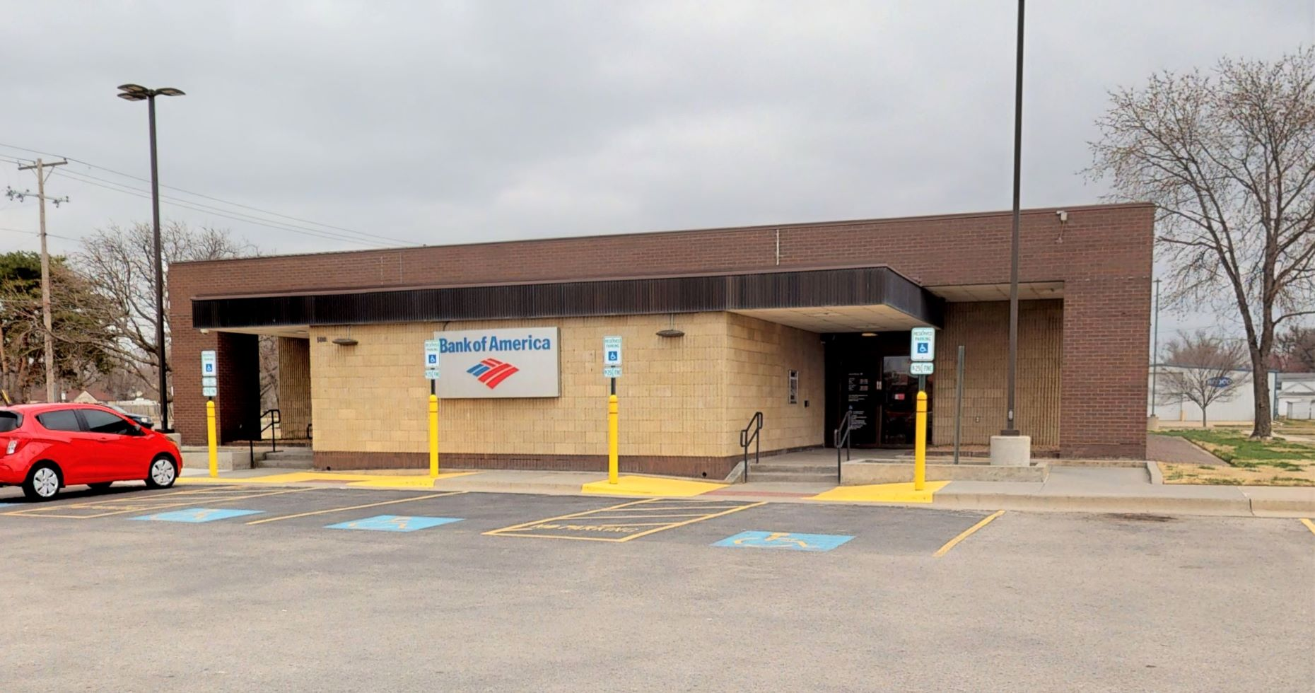 Bank of America financial center with drive-thru ATM   500 S West St, Wichita, KS 67213