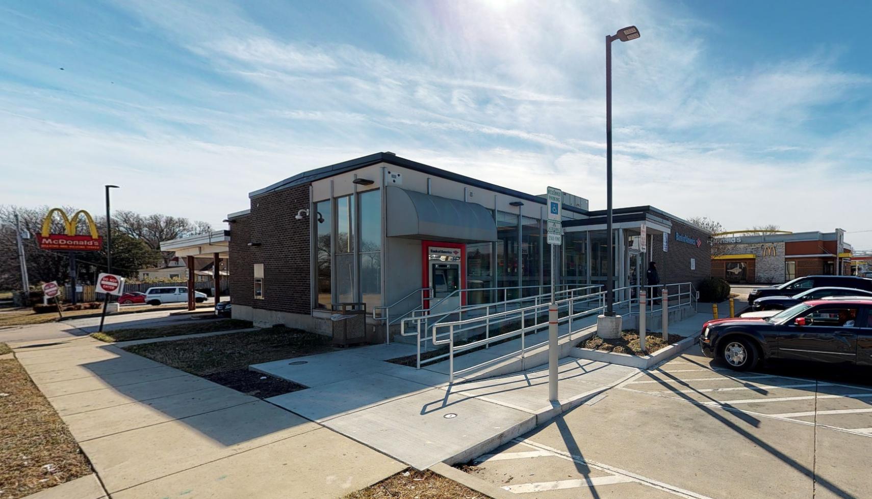 Bank of America financial center with drive-thru ATM | 3215 Washington Blvd, Baltimore, MD 21230