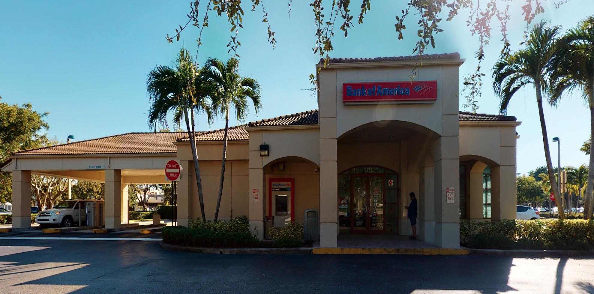 Bank of America financial center with drive-thru ATM and teller   16350 Pines Blvd, Pembroke Pines, FL 33027