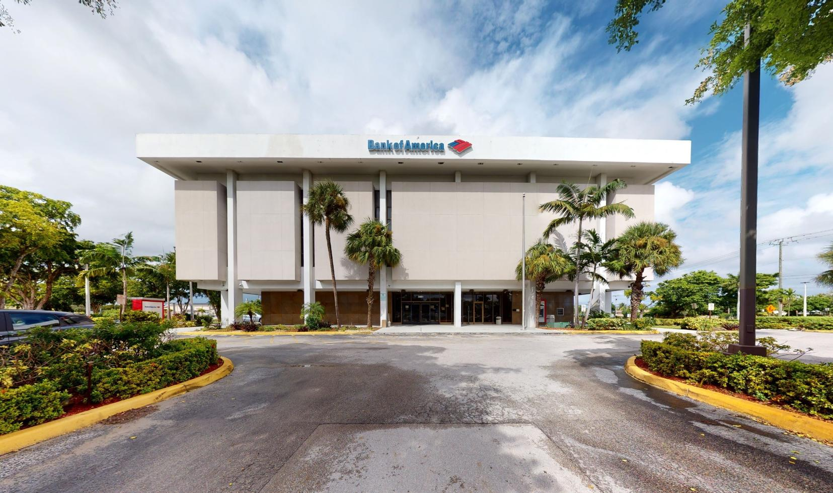 Bank of America financial center with drive-thru ATM | 3661 W Oakland Park Blvd, Lauderdale Lakes, FL 33311