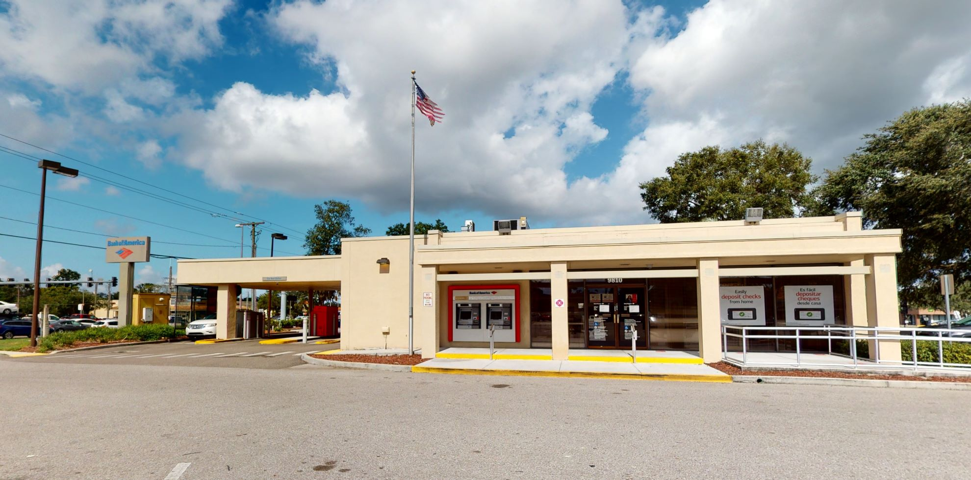 Bank of America financial center with drive-thru ATM   9810 US Highway 301 S, Riverview, FL 33578