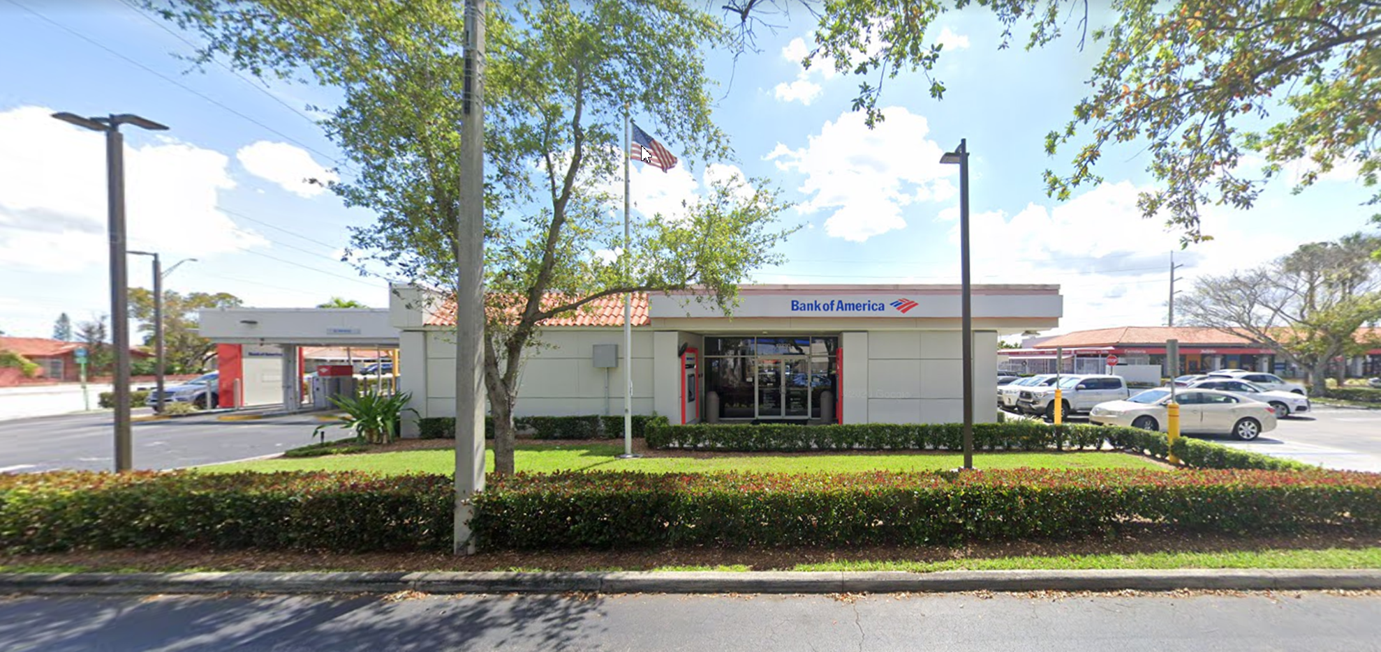 Bank of America financial center with drive-thru ATM and teller | 13730 SW 8th St, Miami, FL 33184