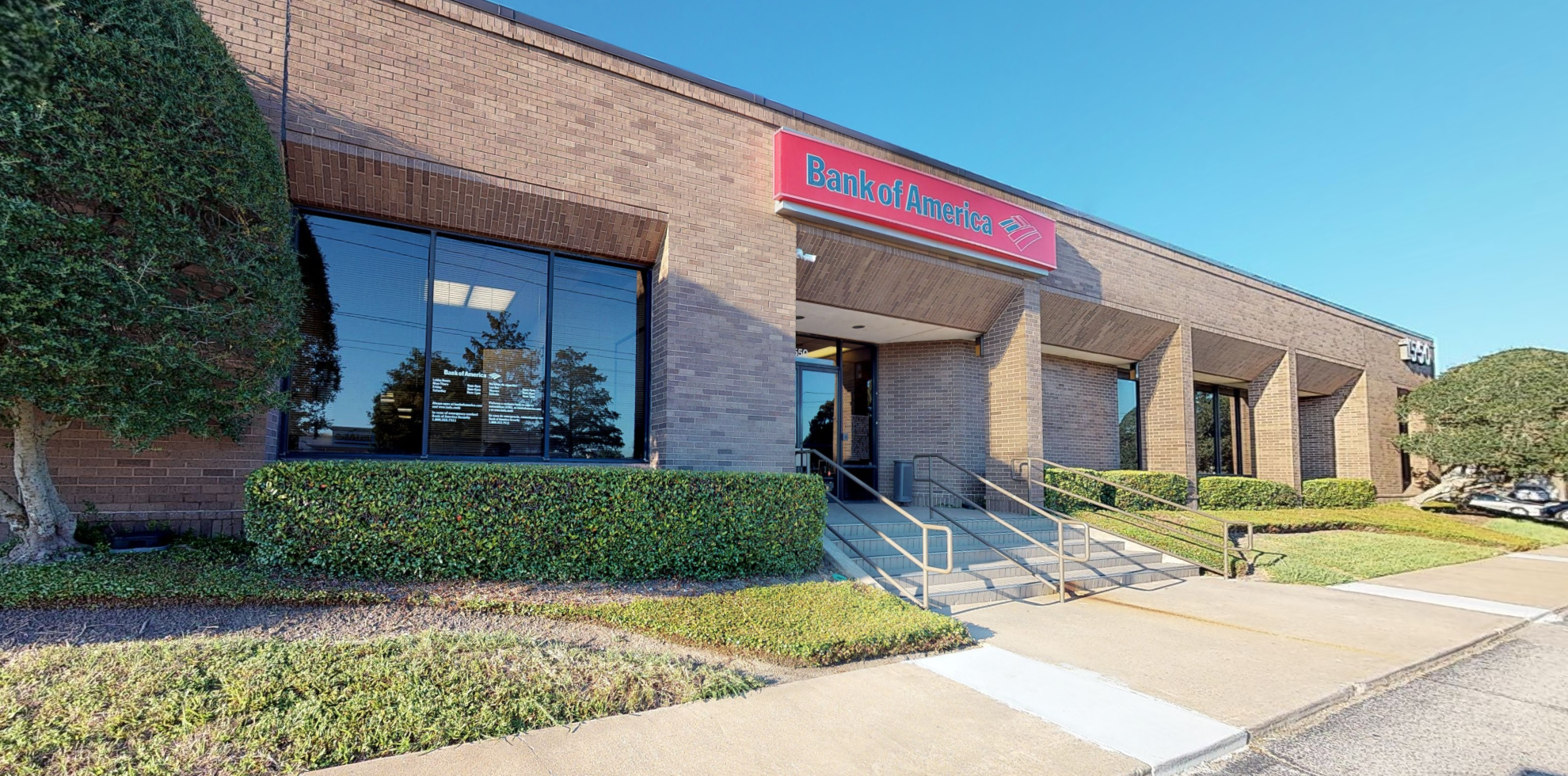 Bank of America financial center with drive-thru ATM | 1550 W Bay Area Blvd, Friendswood, TX 77546