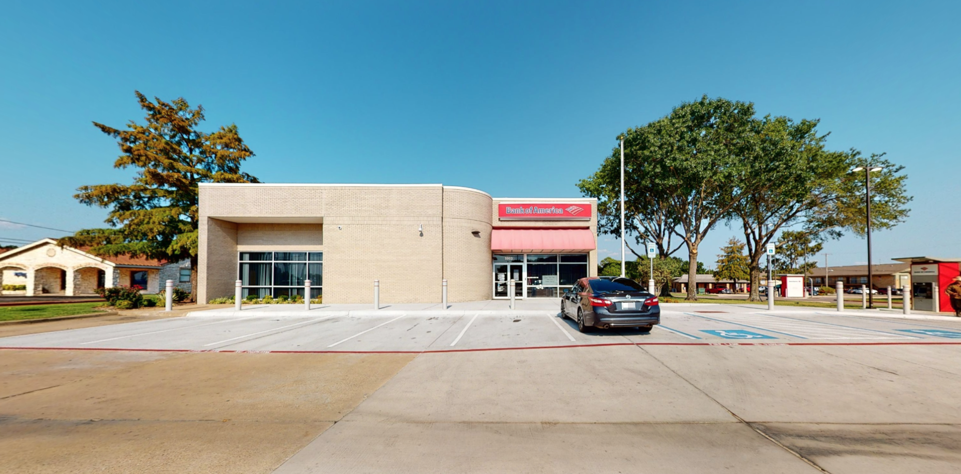 Bank of America financial center with drive-thru ATM and teller | 5903 Wesley St, Greenville, TX 75402