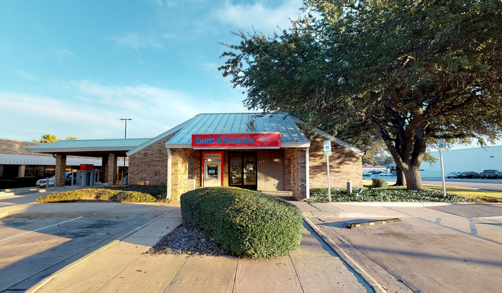 Bank of America financial center with drive-thru ATM | 4751 S Hulen St, Fort Worth, TX 76132