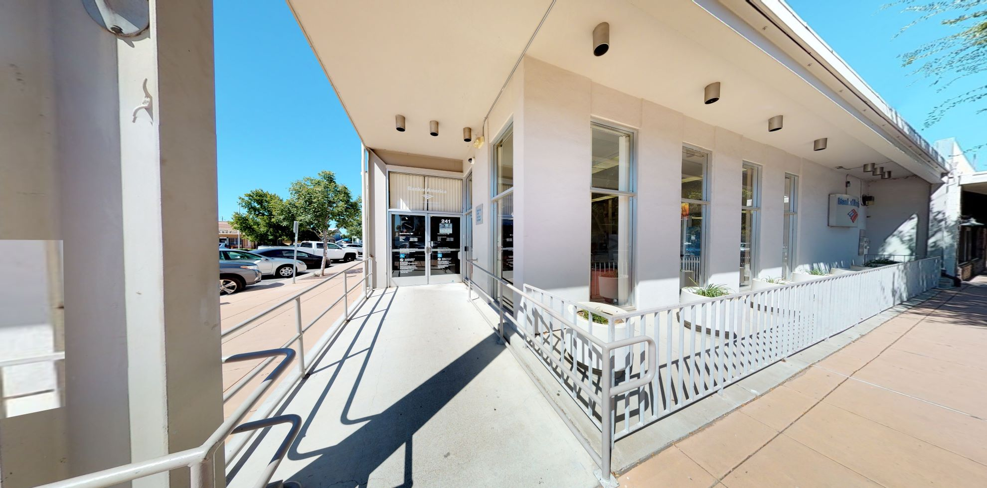 Bank of America financial center with walk-up ATM | 241 Oak St, Brentwood, CA 94513