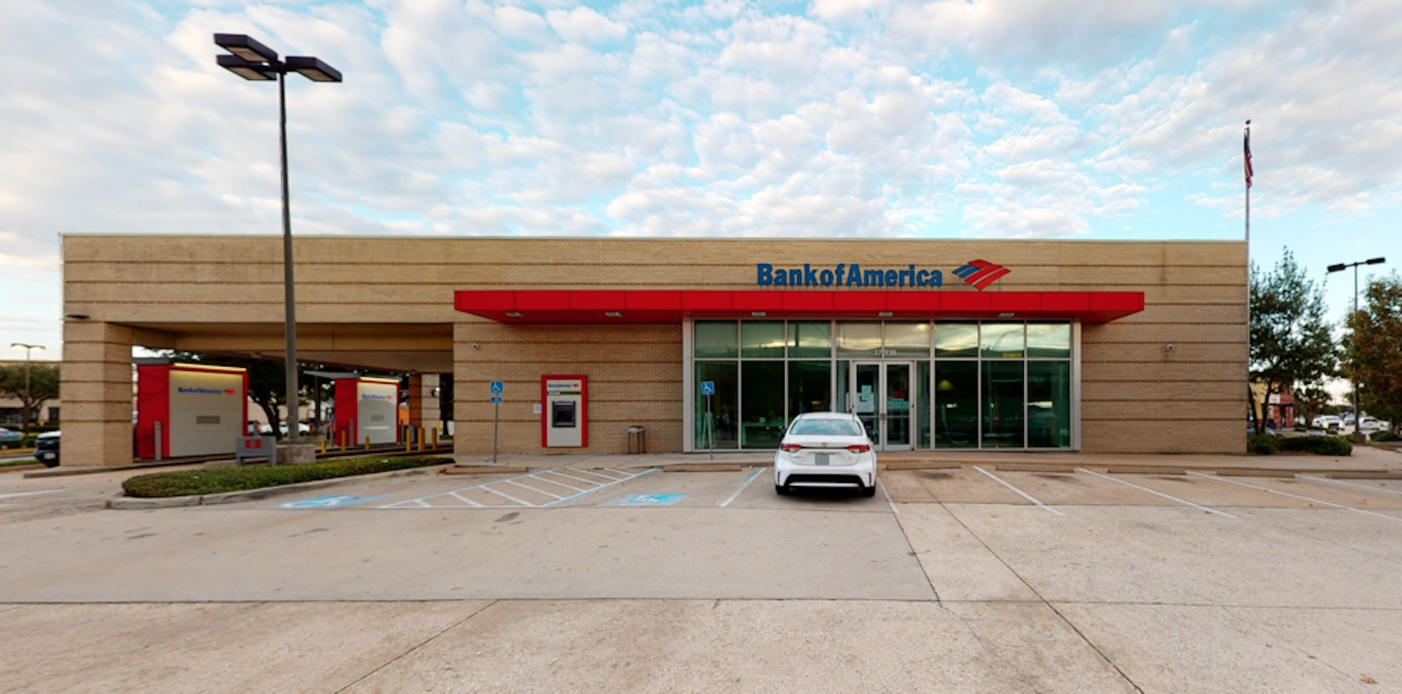 Bank of America financial center with drive-thru ATM and teller | 17930 Spring Cypress Rd, Cypress, TX 77429