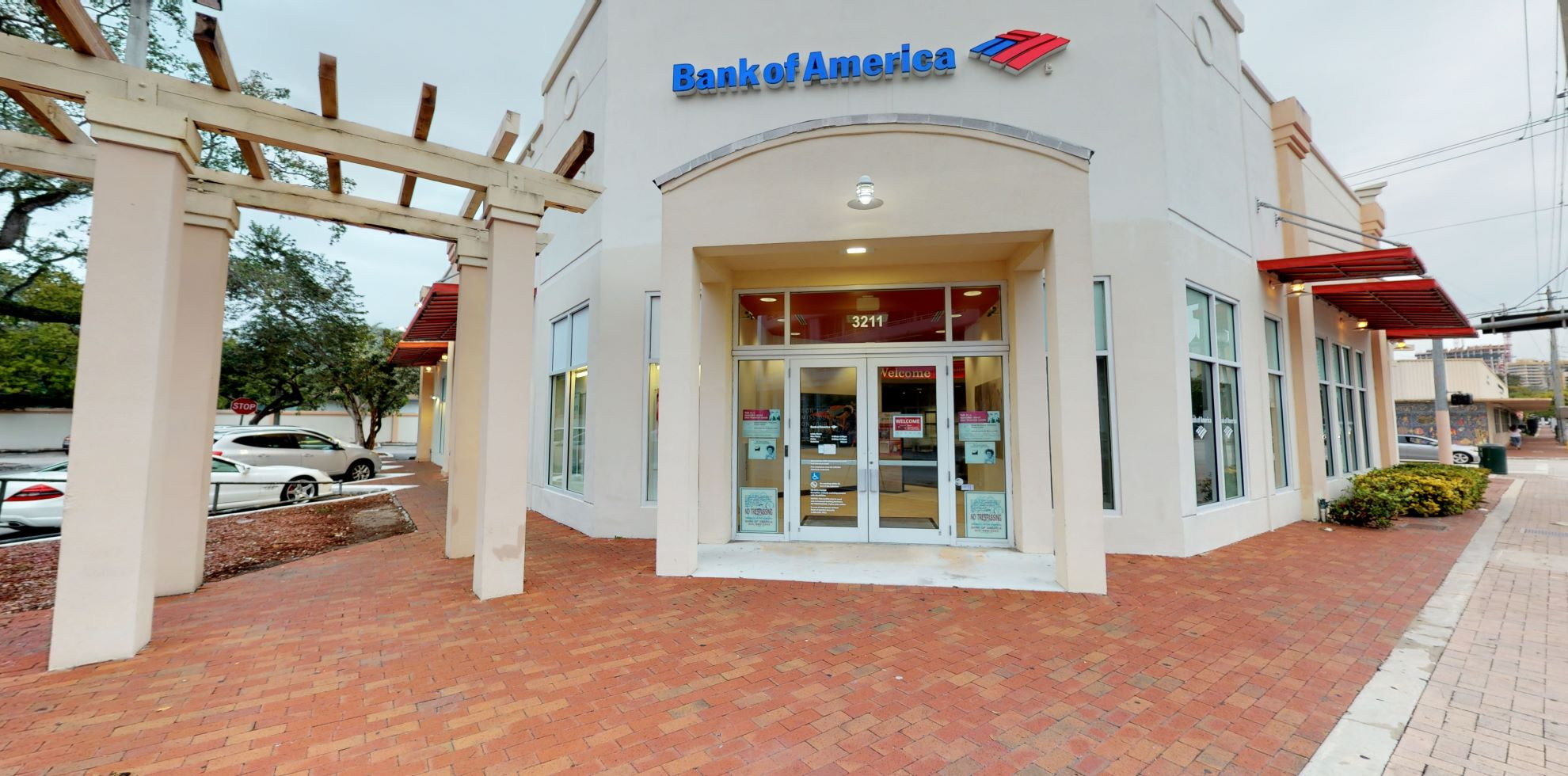 Bank of America financial center with walk-up ATM | 3211 Grand Ave, Coconut Grove, FL 33133