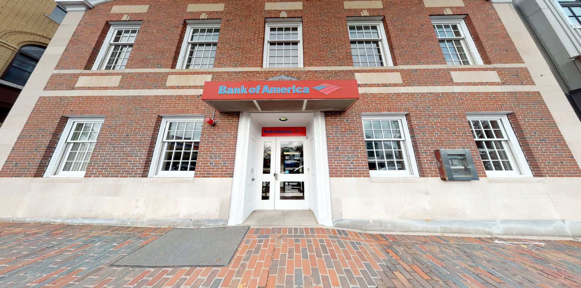 Bank of America financial center with walk-up ATM | 655 Massachusetts Ave, Arlington, MA 02476