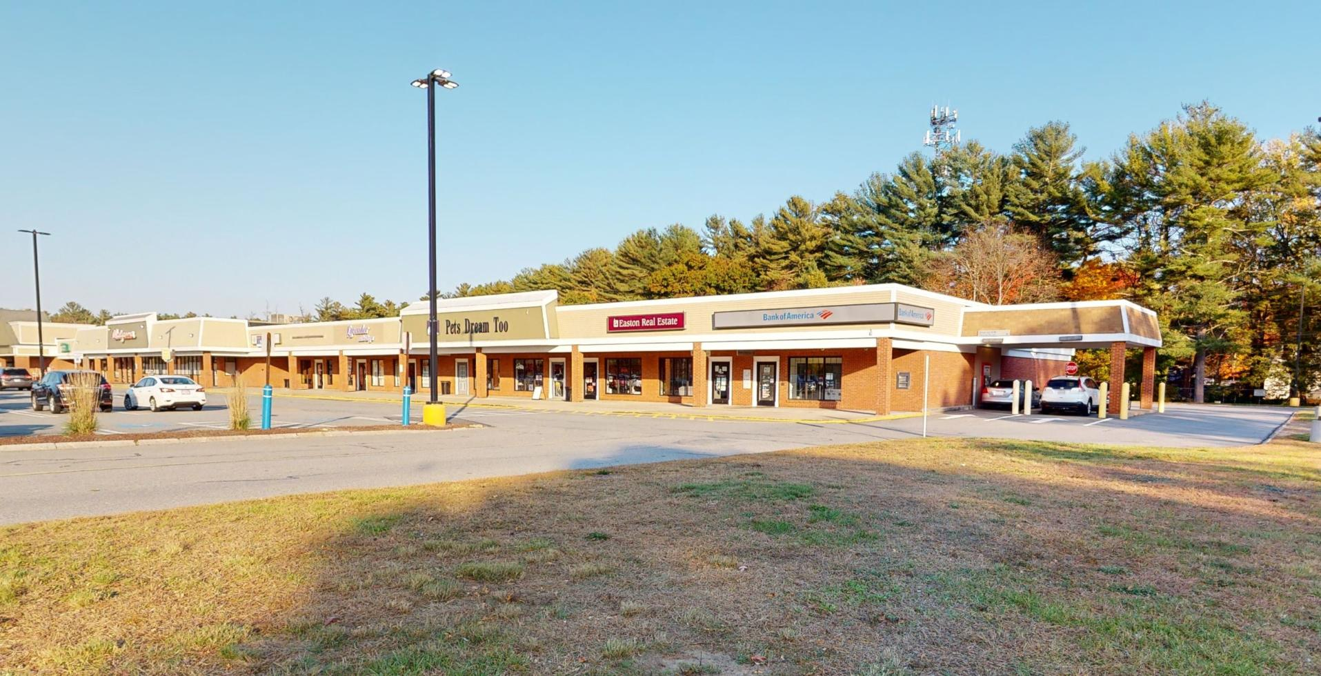 Bank of America financial center with drive-thru ATM | 692 Depot St, Easton, MA 02356