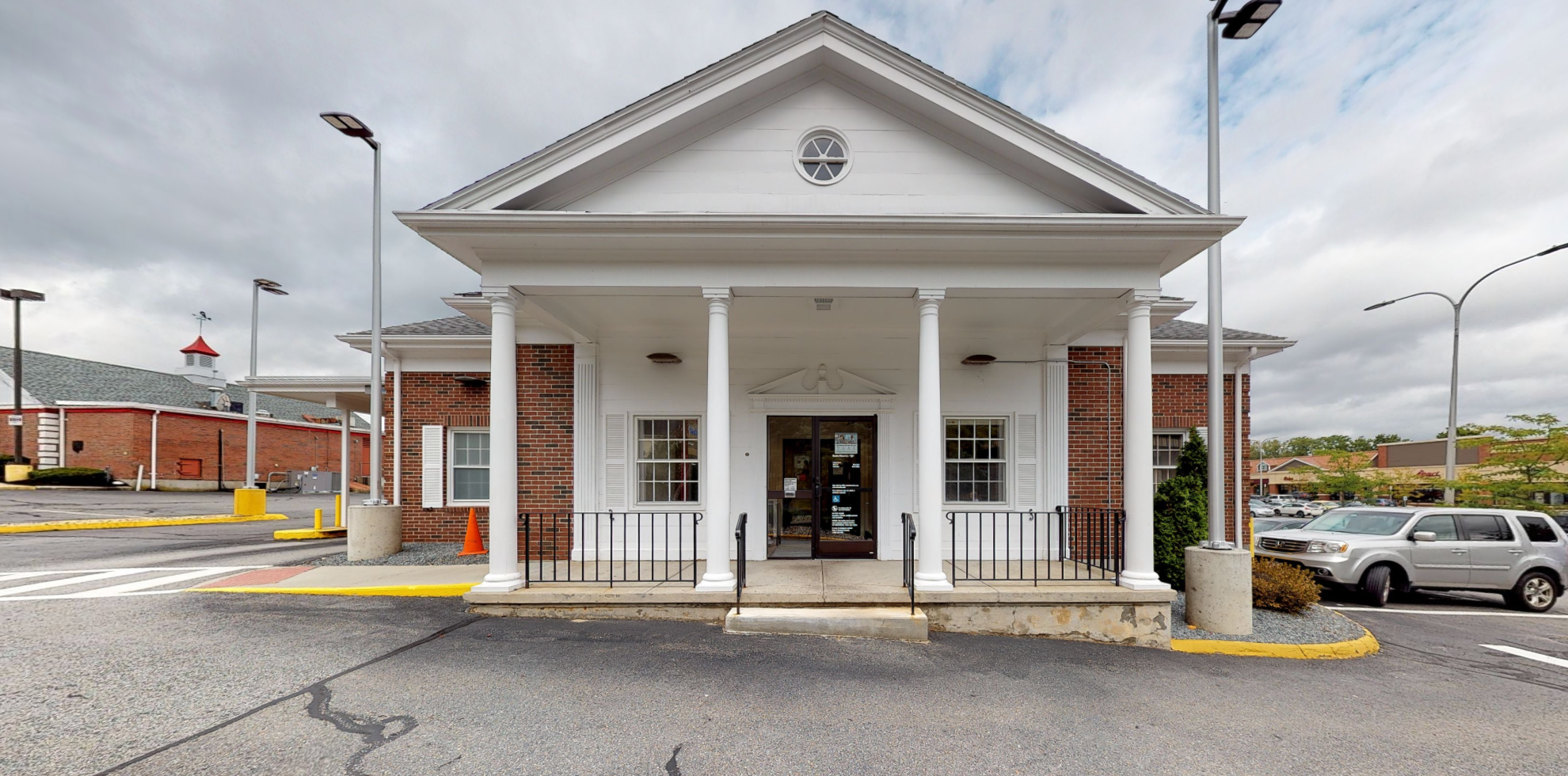 Bank of America financial center with drive-thru ATM | 2 Summer St, Chelmsford, MA 01824