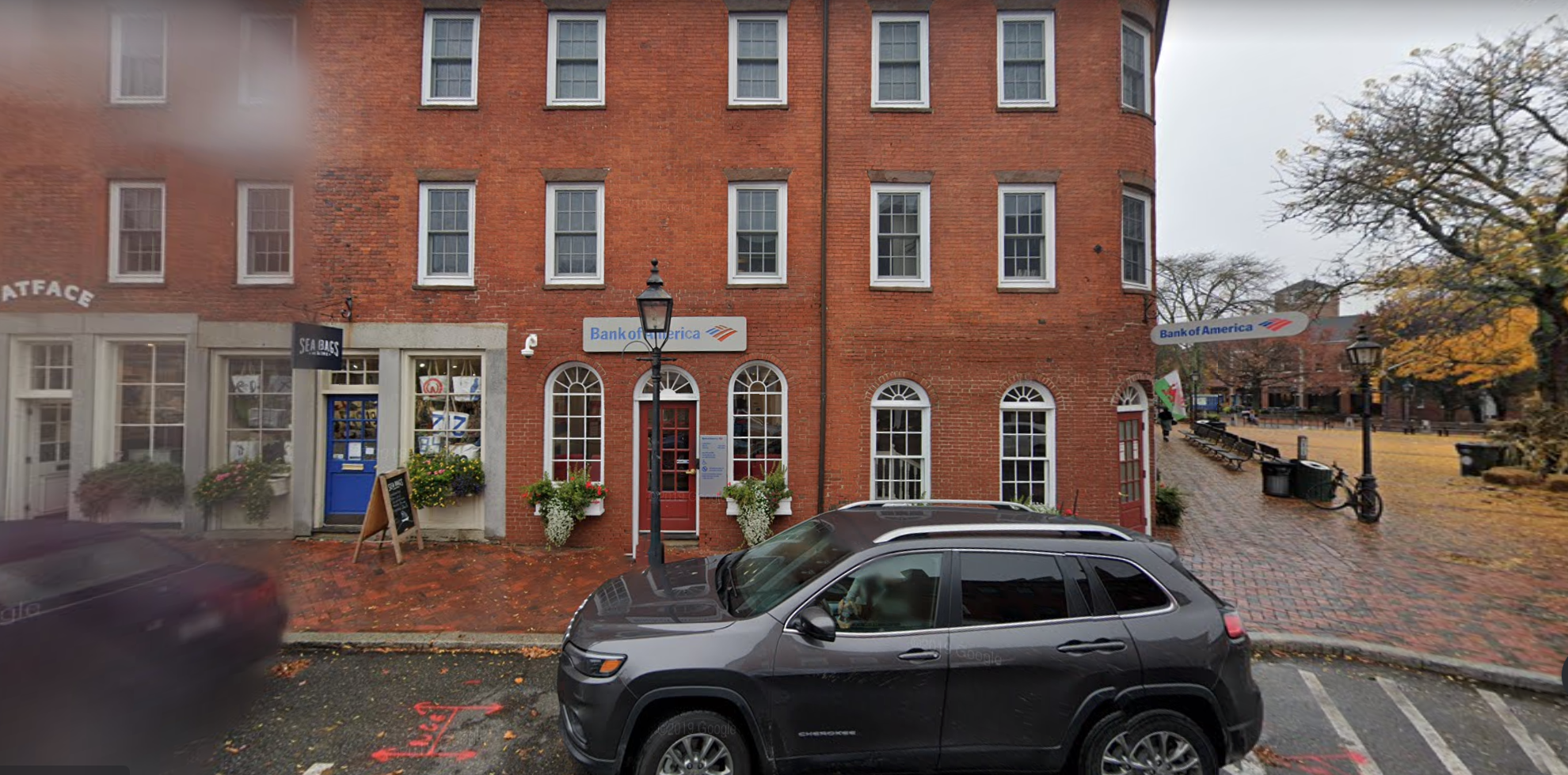 Bank of America financial center with walk-up ATM | 2 State St, Newburyport, MA 01950