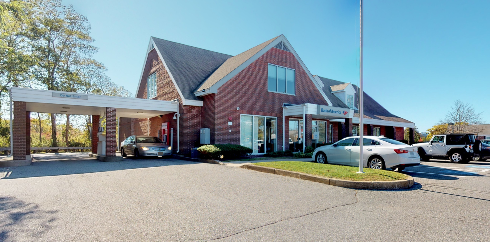 Bank of America financial center with drive-thru ATM and teller   749 Main St, Hyannis, MA 02601