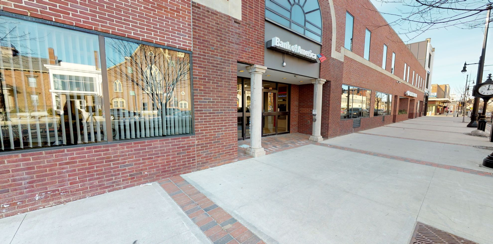 Bank of America financial center with walk-up ATM   157 Main St, Nashua, NH 03060