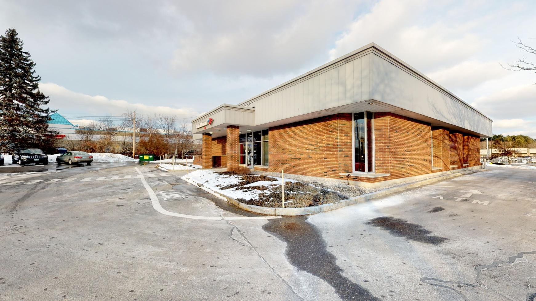 Bank of America financial center with drive-thru ATM | 57 Crystal Ave, Derry, NH 03038