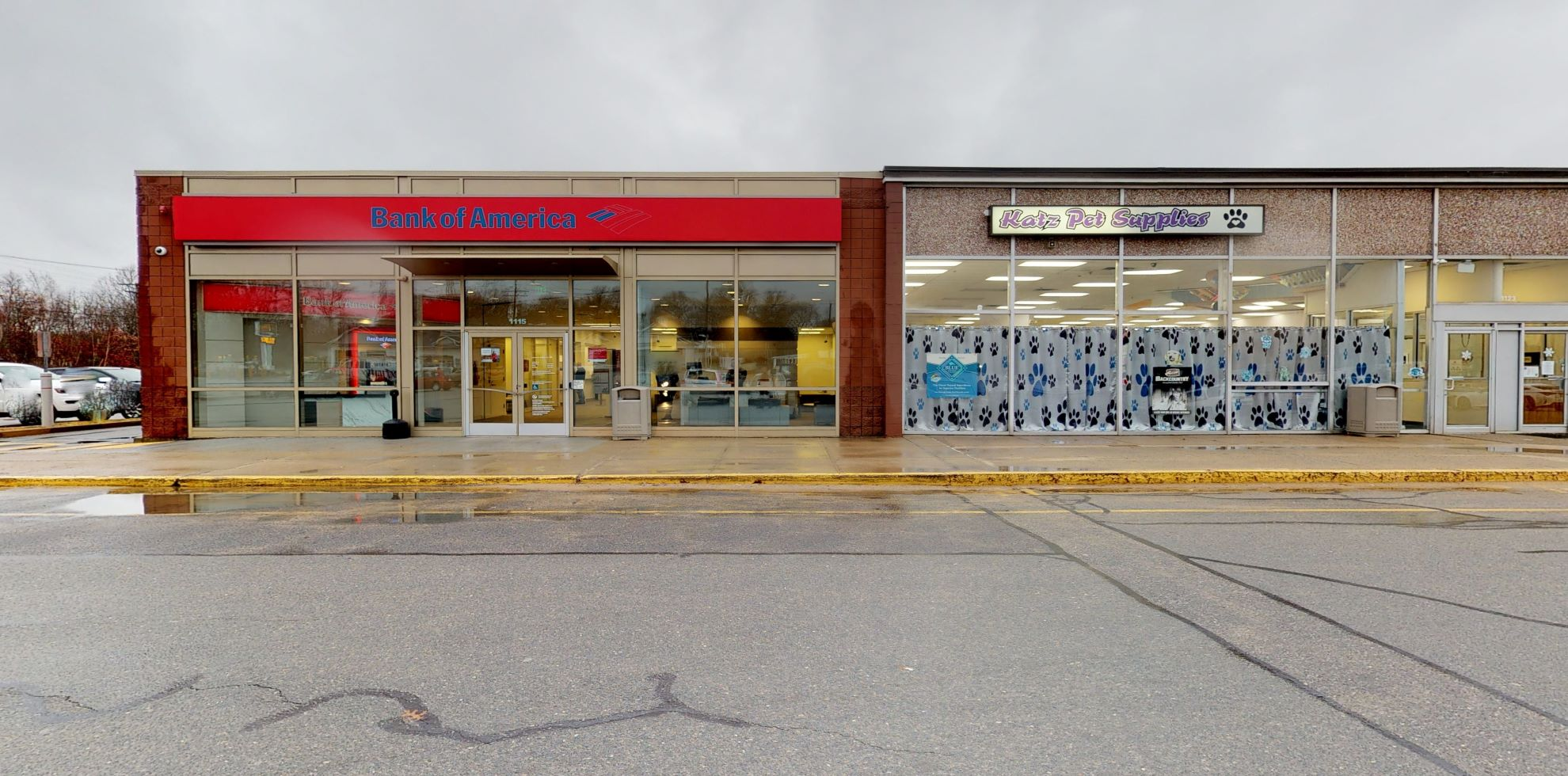 Bank of America financial center with drive-thru ATM | 1115 Grand Army Hwy, Somerset, MA 02726