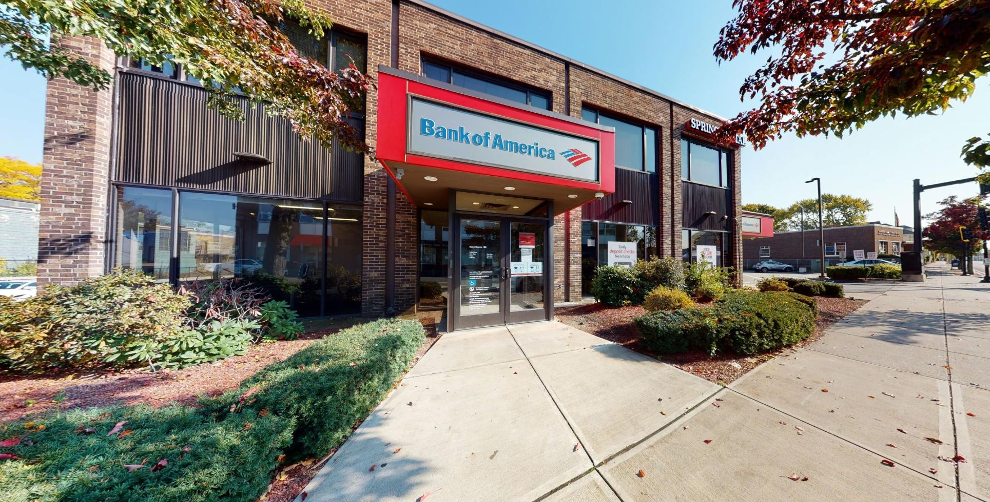 Bank of America financial center with walk-up ATM | 440 Hancock St, North Quincy, MA 02171