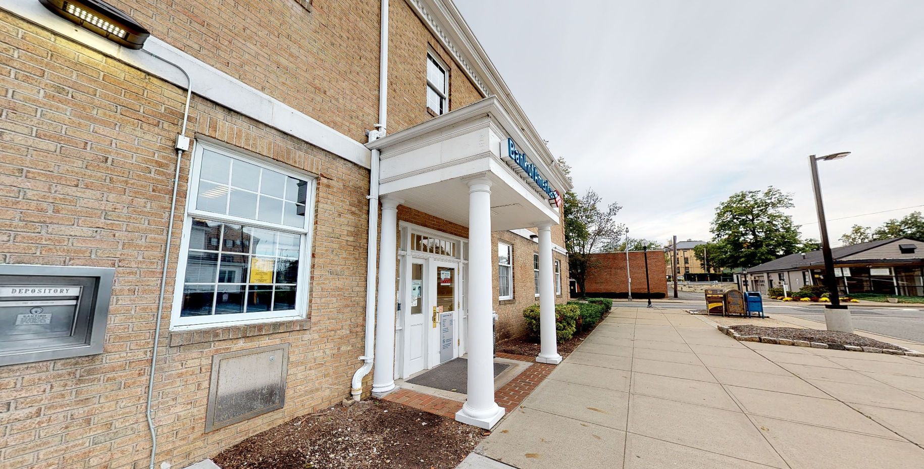 Bank of America financial center with drive-thru ATM | 25 N Maple Ave, Ridgewood, NJ 07450