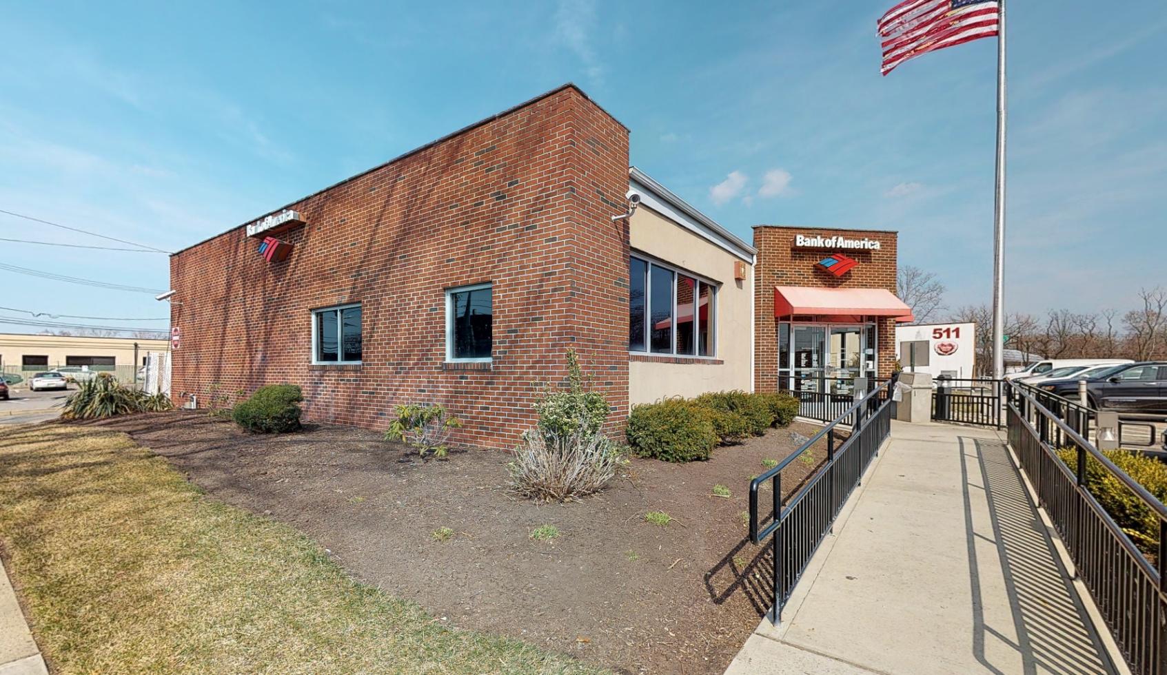 Bank of America financial center with drive-thru ATM | 507 Mola Blvd, Elmwood Park, NJ 07407