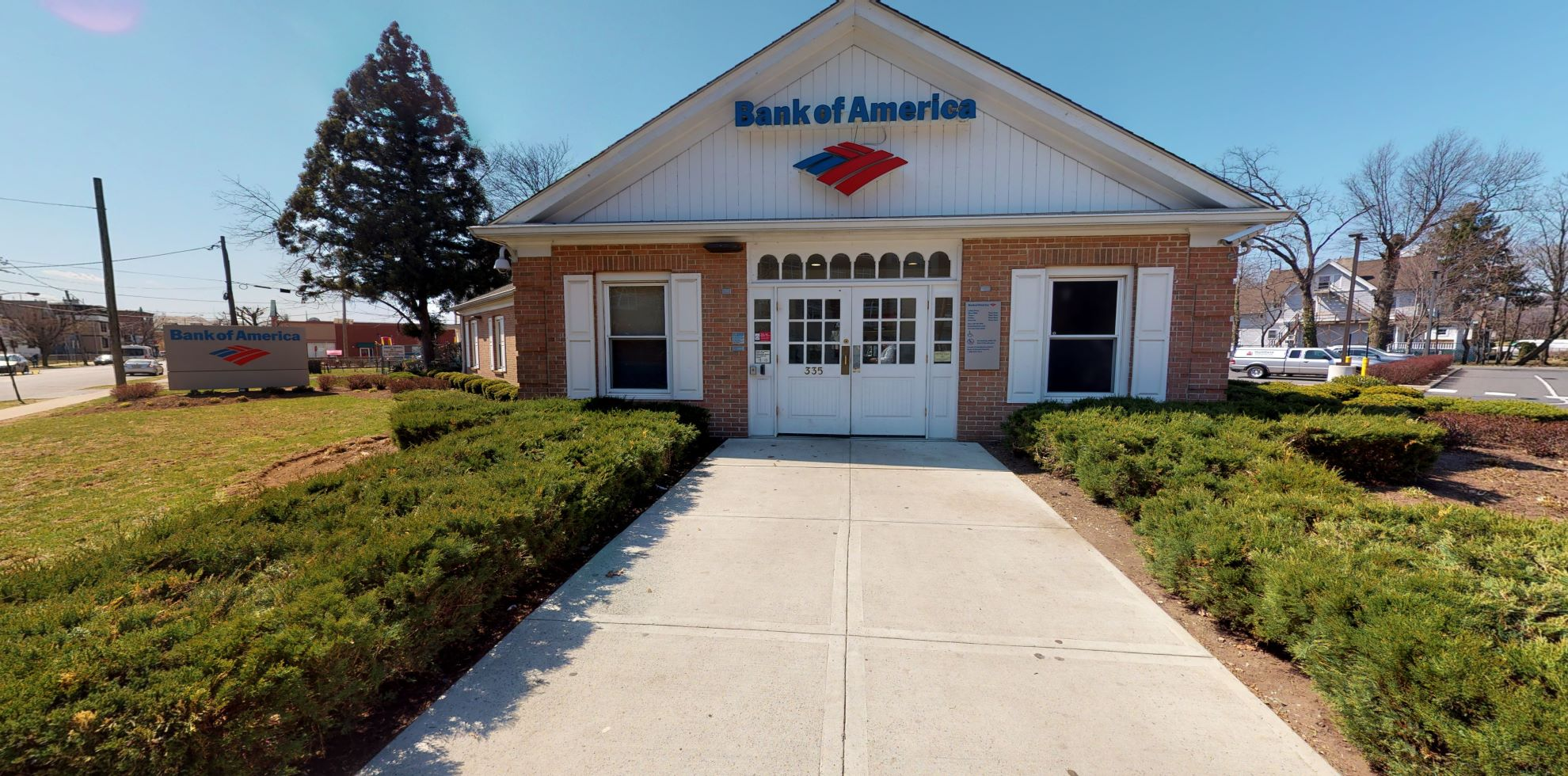 Bank of America financial center with drive-thru ATM | 335 E Front St, Plainfield, NJ 07060