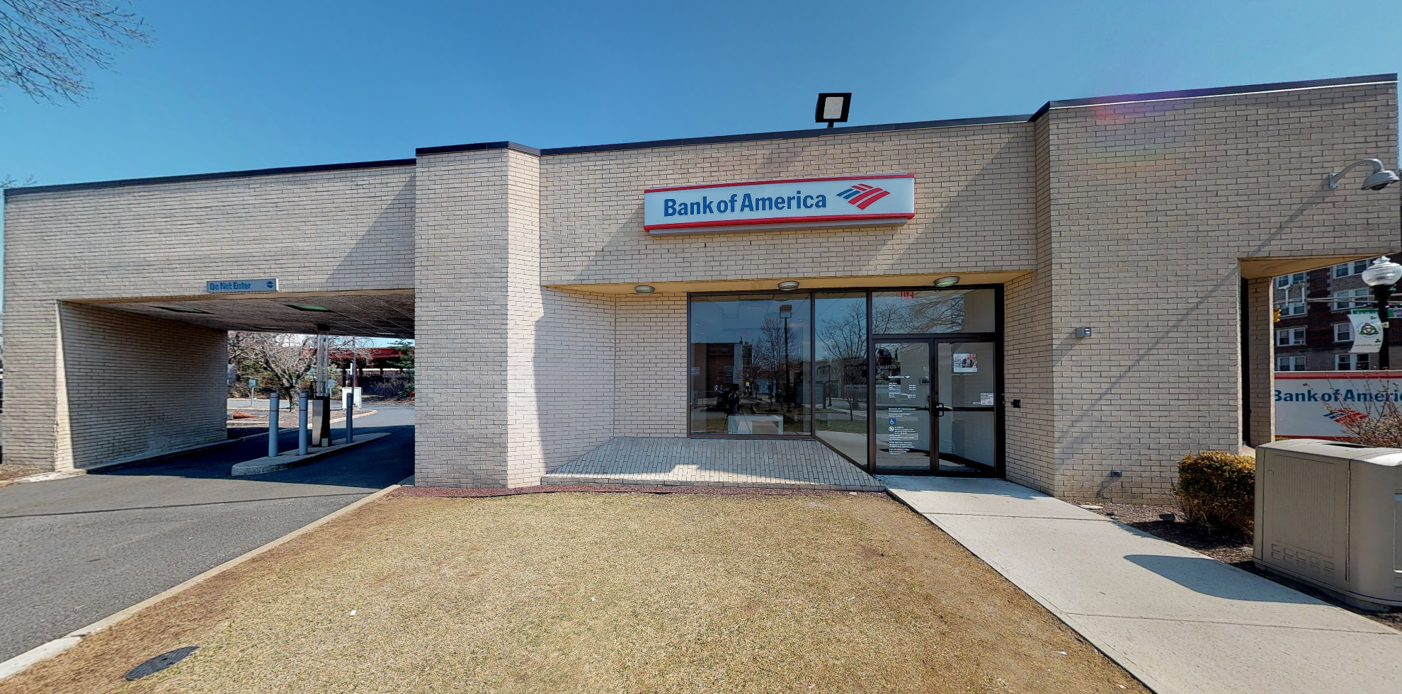 Bank of America financial center with walk-up ATM | 188 South St, Morristown, NJ 07960