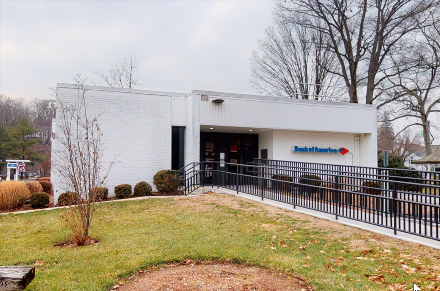 Bank of America financial center with drive-thru ATM | 117 Old Ridgefield Rd, Wilton, CT 06897