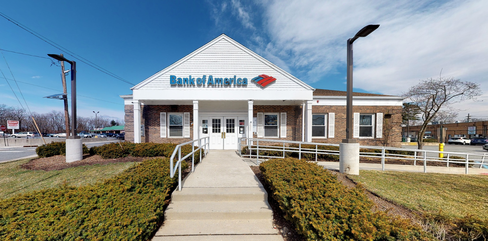 Bank of America financial center with drive-thru ATM | 11 Wyckoff Ave, Waldwick, NJ 07463