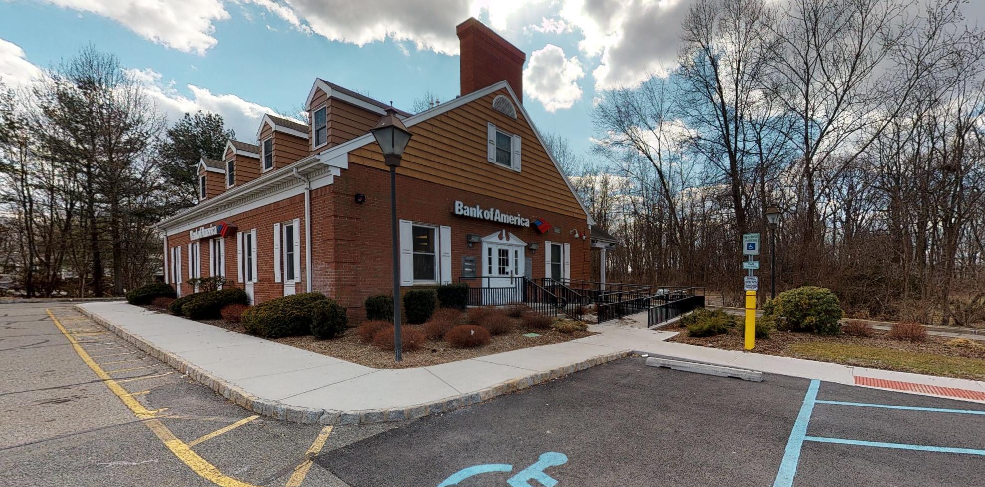 Bank of America financial center with drive-thru ATM | 161 Changebridge Rd, Montville, NJ 07045