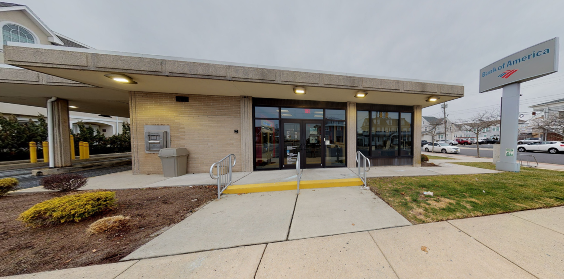 Bank of America financial center with walk-up ATM | 20 S Essex Ave, Margate City, NJ 08402