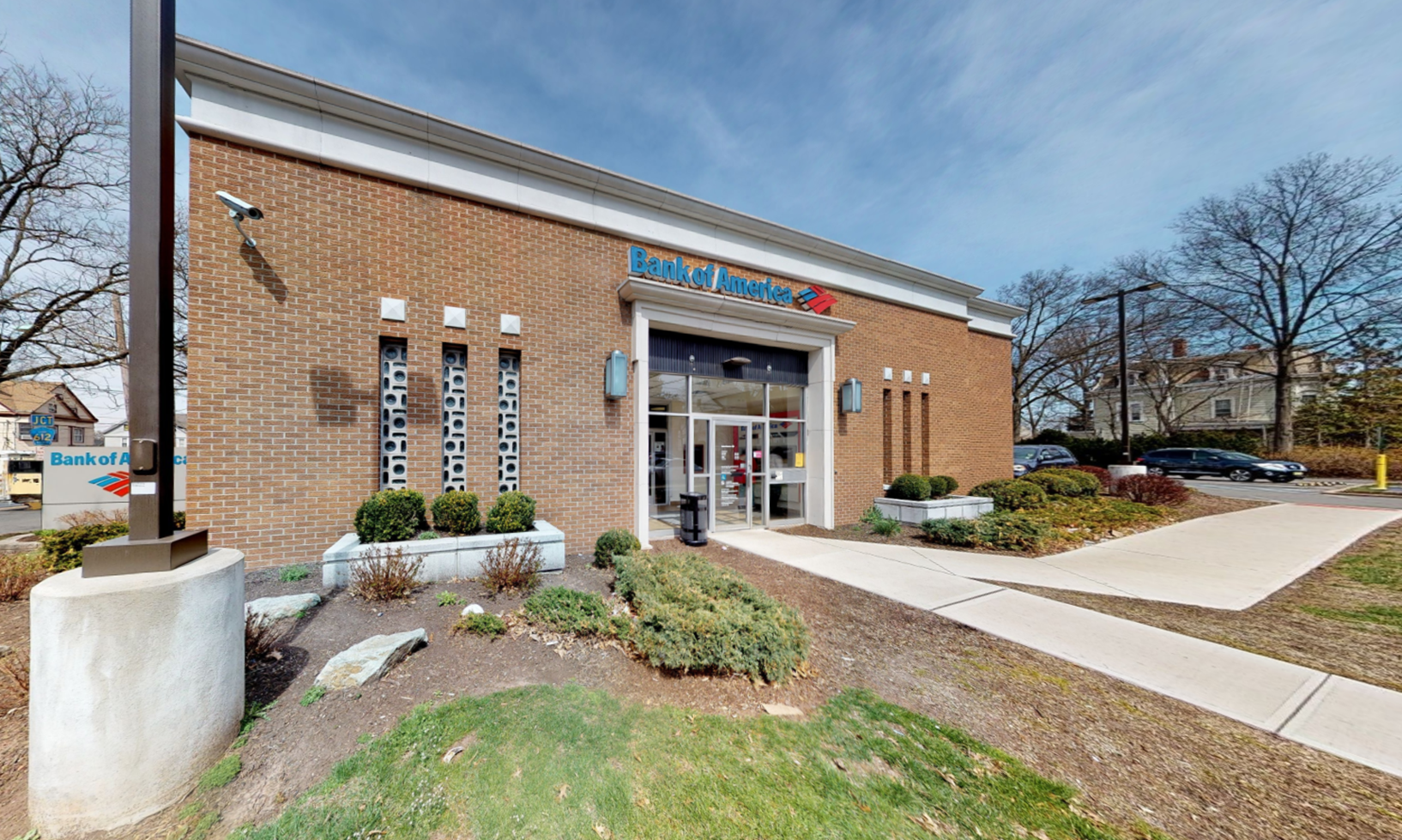 Bank of America financial center with drive-thru ATM | 105 E 4th Ave, Roselle, NJ 07203
