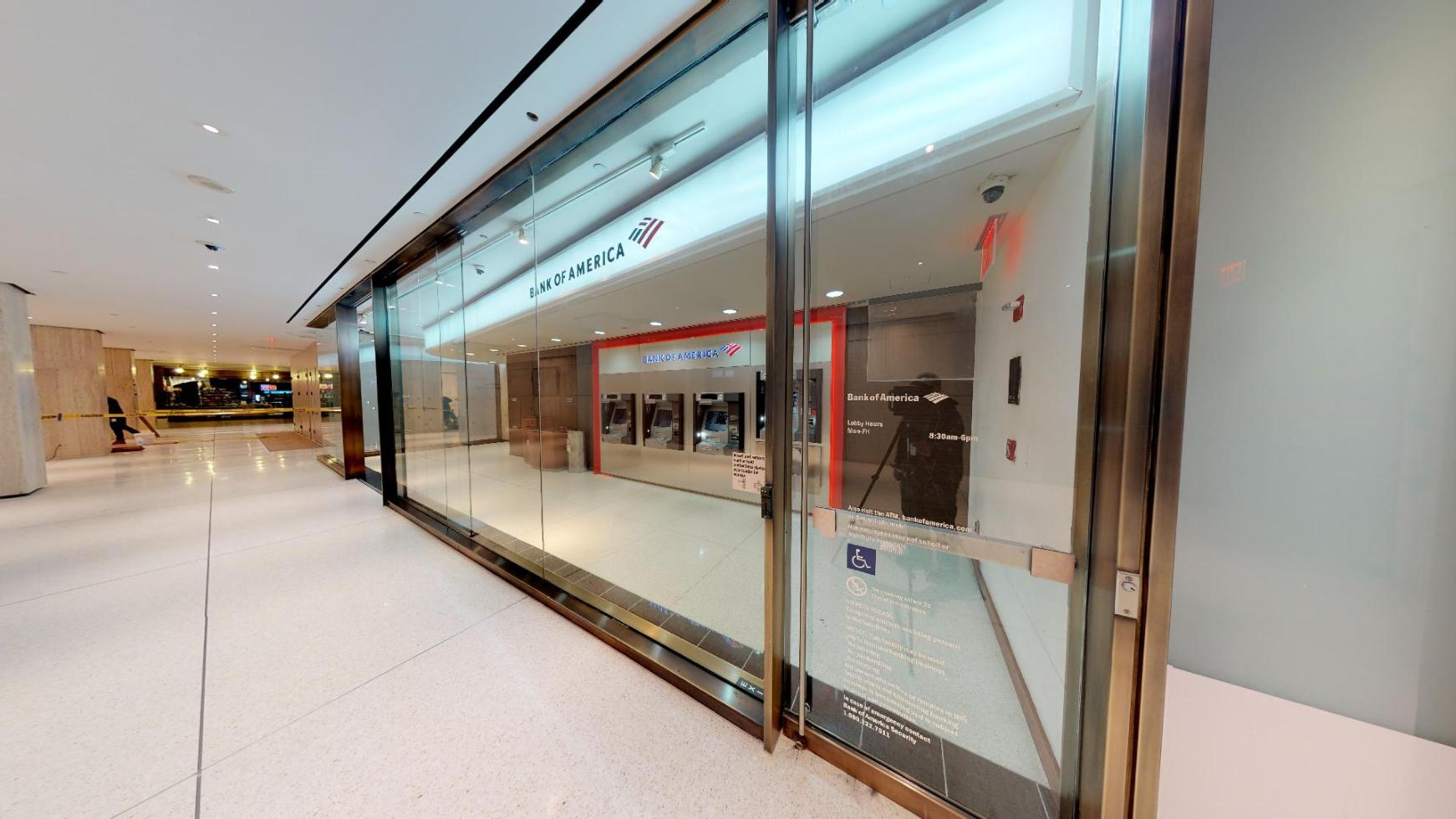 Bank of America financial center with walk-up ATM | 200 Park Ave, New York, NY 10166